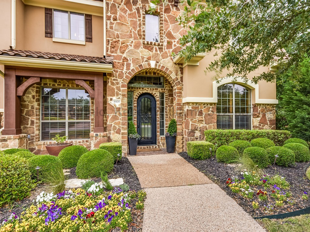 HOME FOR SALE | 16100 Ozarks Path, Austin TX 78738 | MLS 	7392331