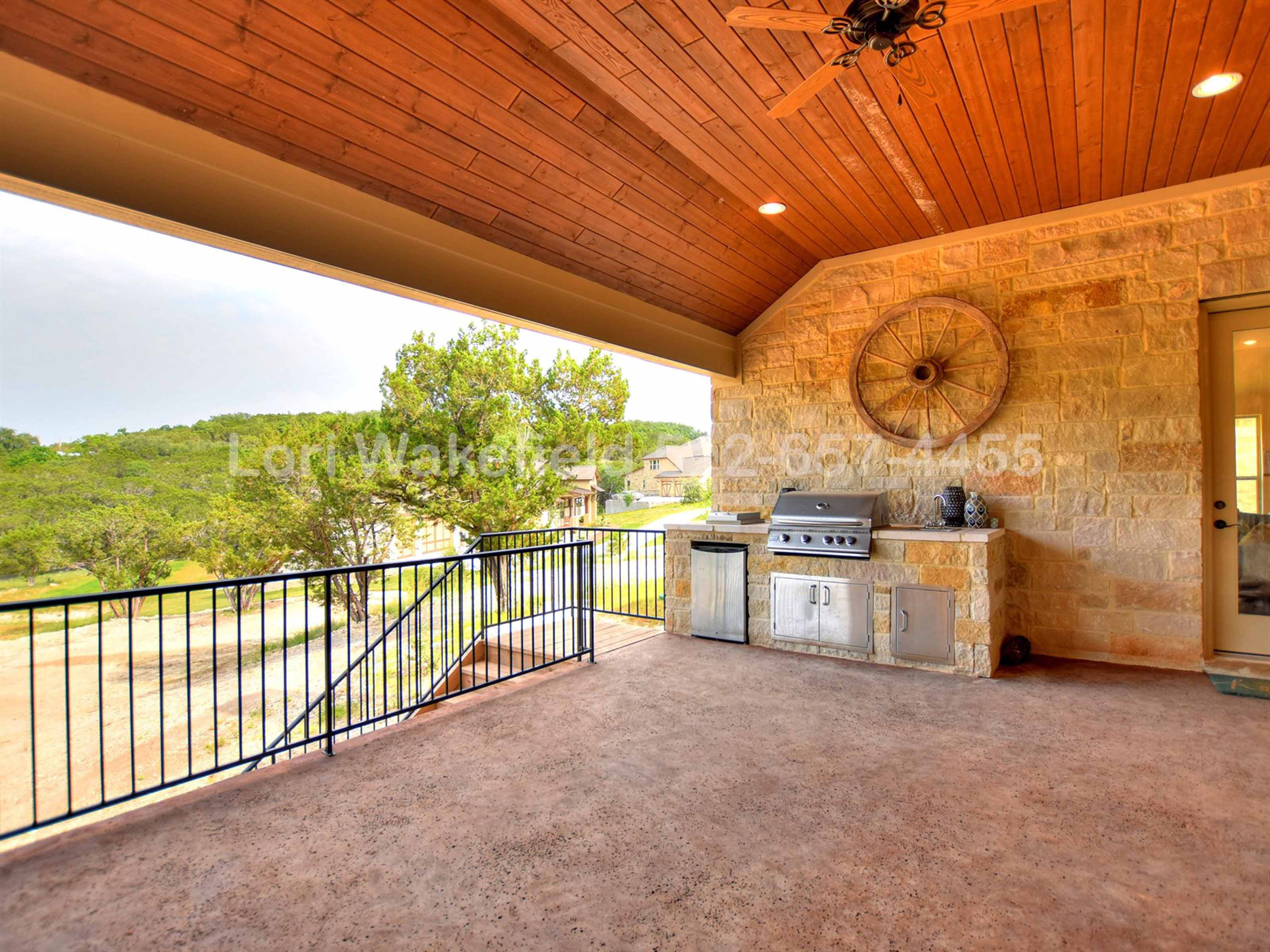 5421 Diamante Dr Spicewood TX | Home for Sale in Lake Travis ISD | www.AustinRealEstateGroup.com