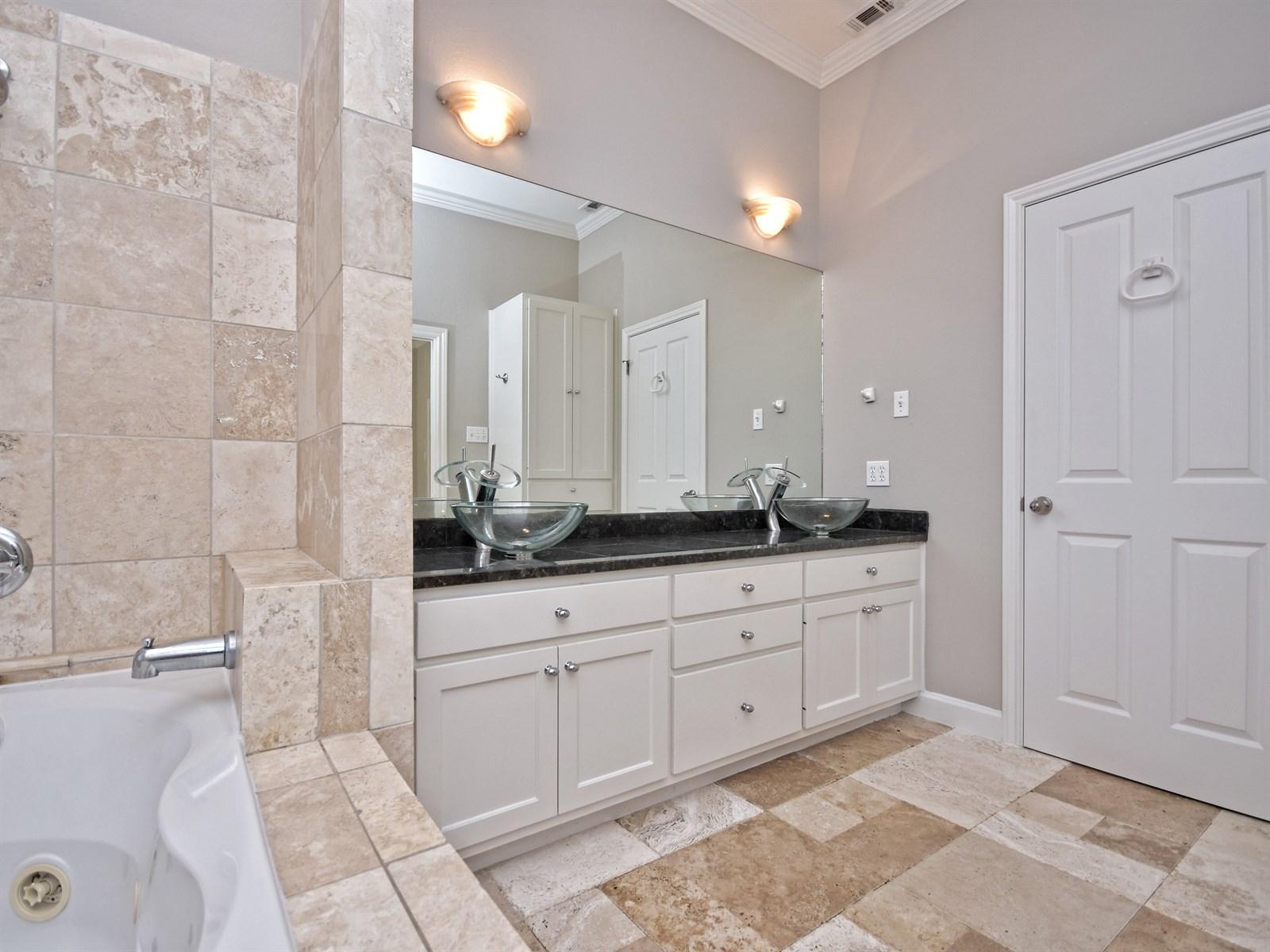 708 Bermuda Dr Lakeway TX | Lakeway Home for Sale | Lori Wakefield REALTOR | Keller Williams Lake Travis