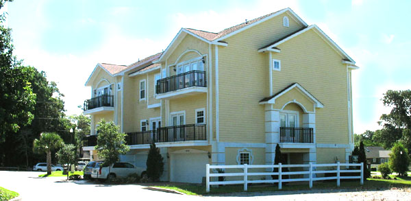 Grande Harbour Townhouse Condos
