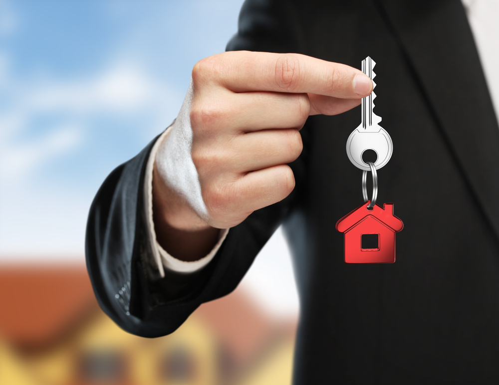 Why should I hire one real estate agent?