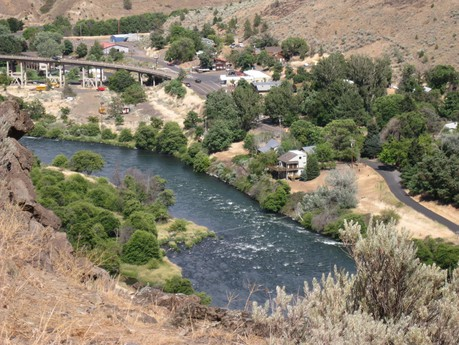 View of Maupin Oregon and Deschutes River