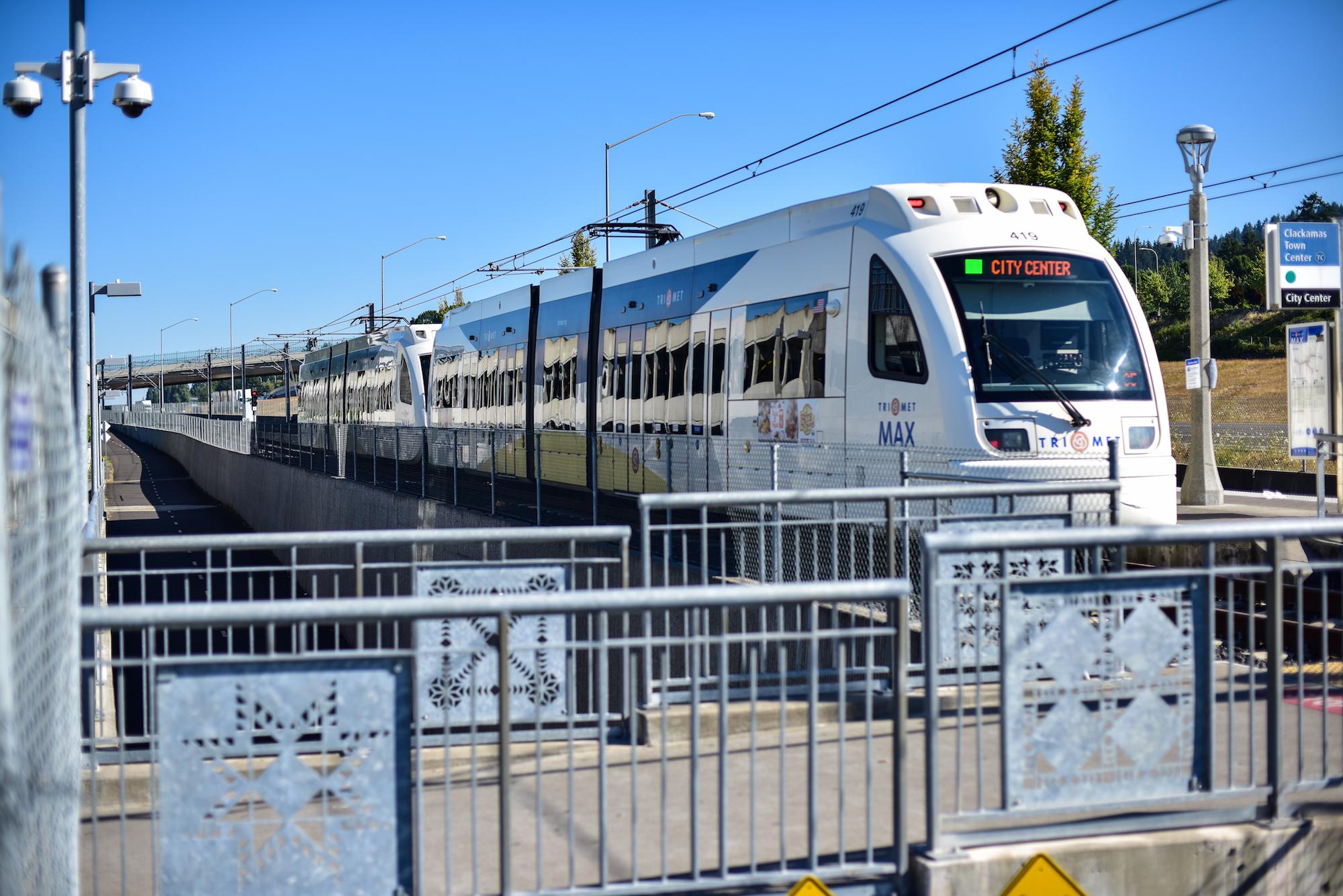 Clackamas Max Train