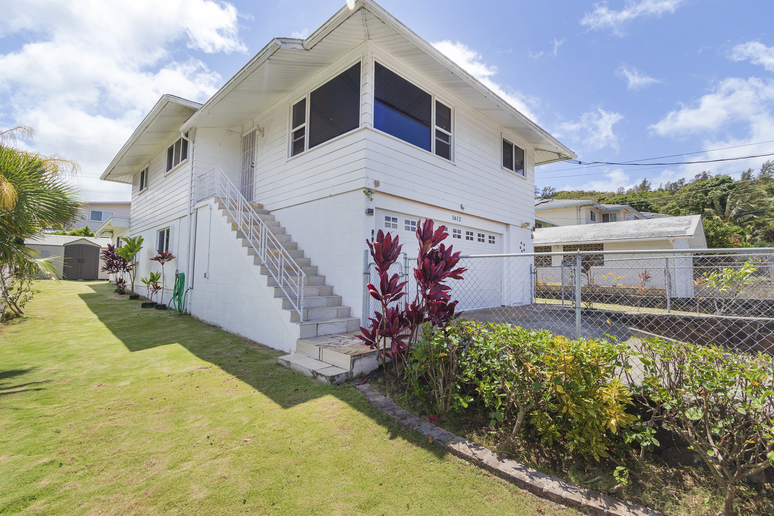 Side view of 1612 Perry Street Honolulu 96819