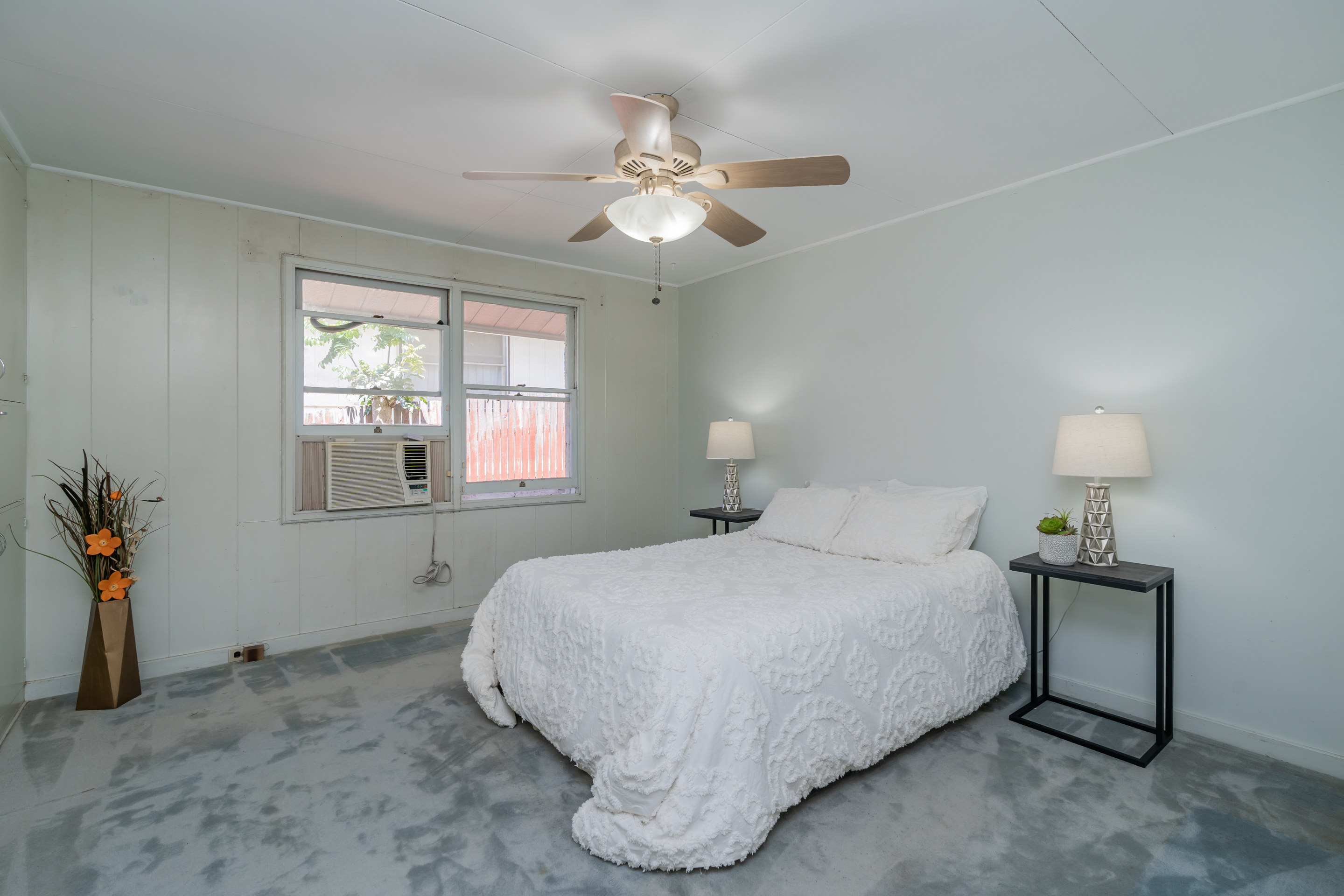 Master bedroom at 2238 Seaview Avenue