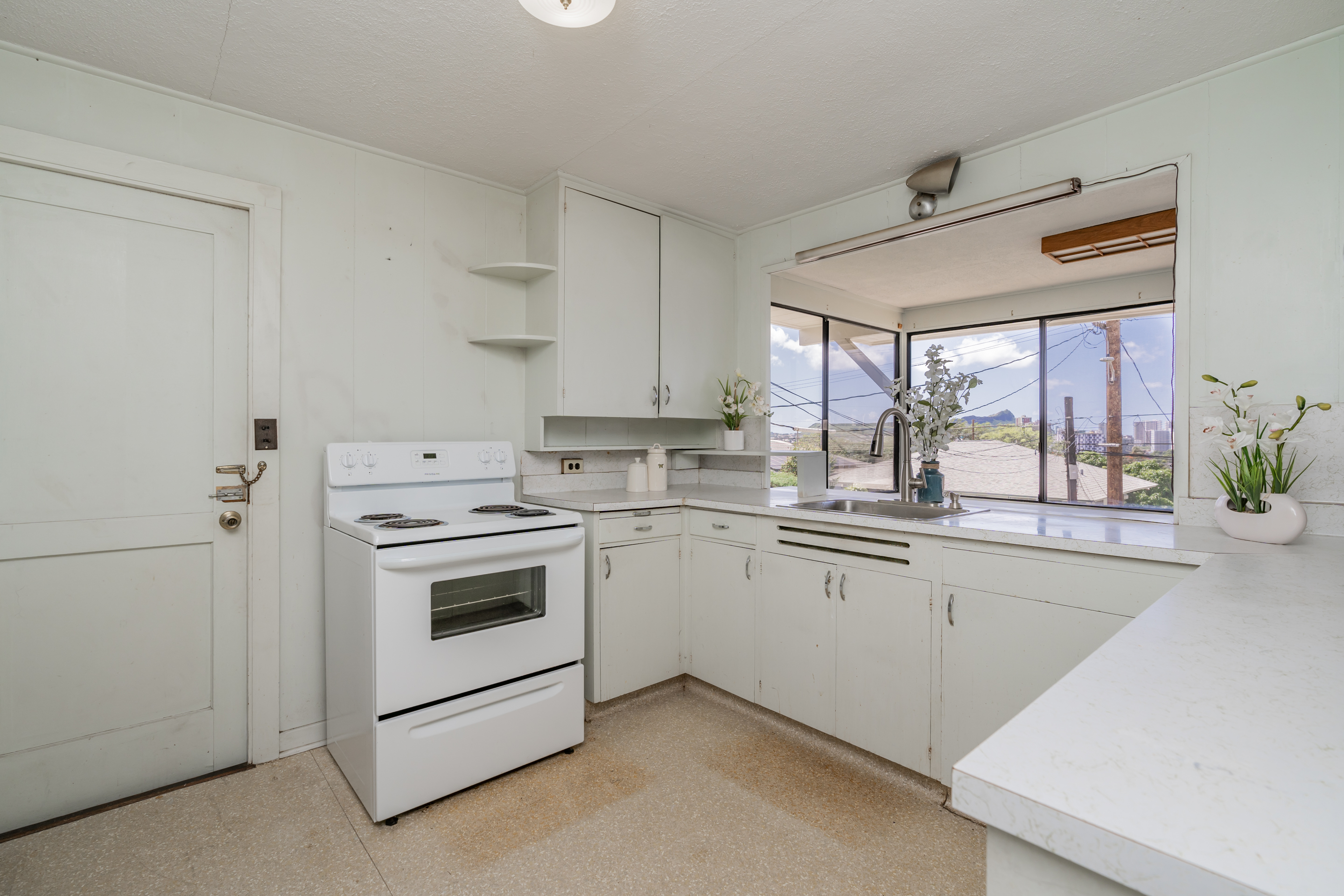Kitchen at 2238 Seaview Avenue