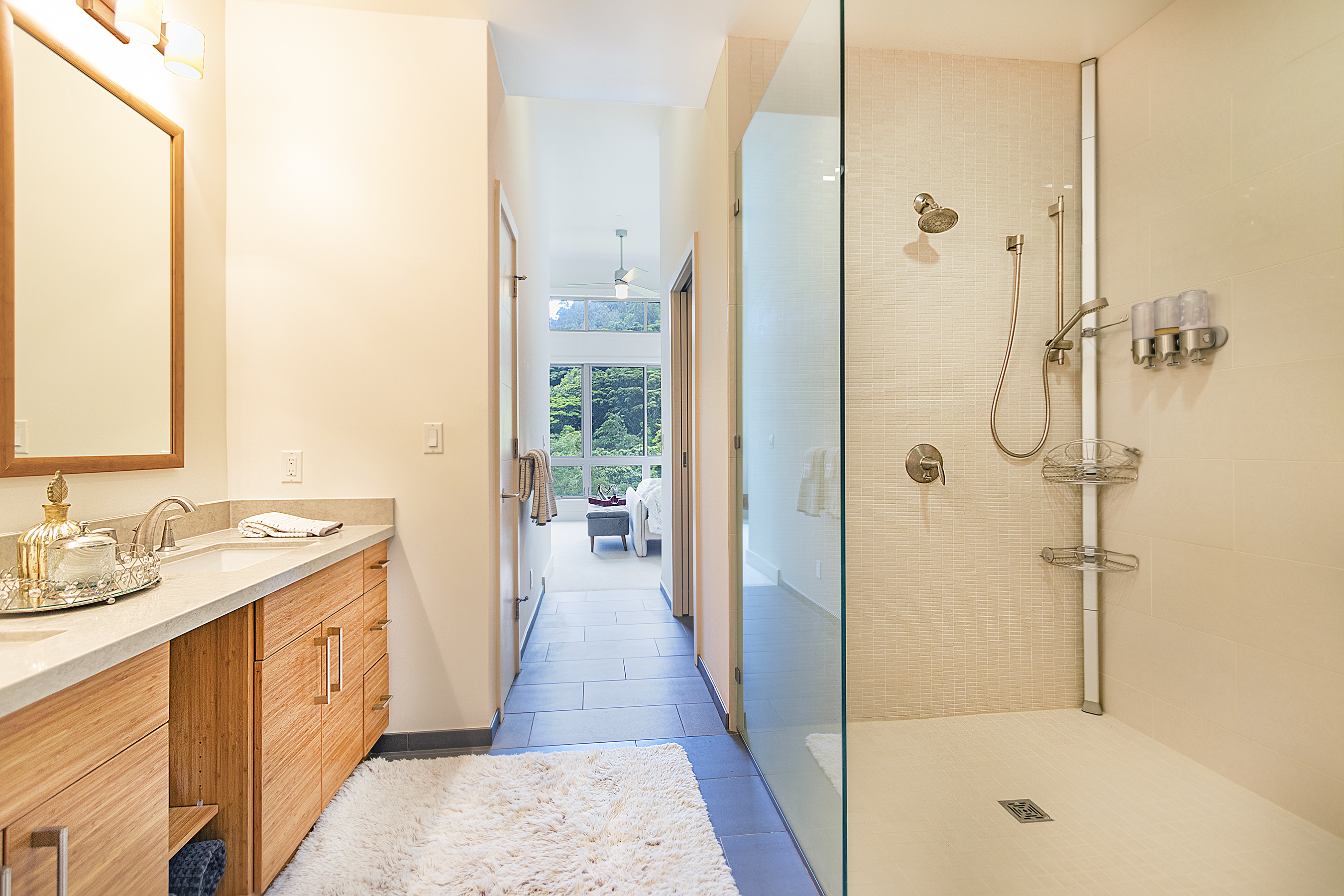 Master bathroom at 2914 Booth Road #17
