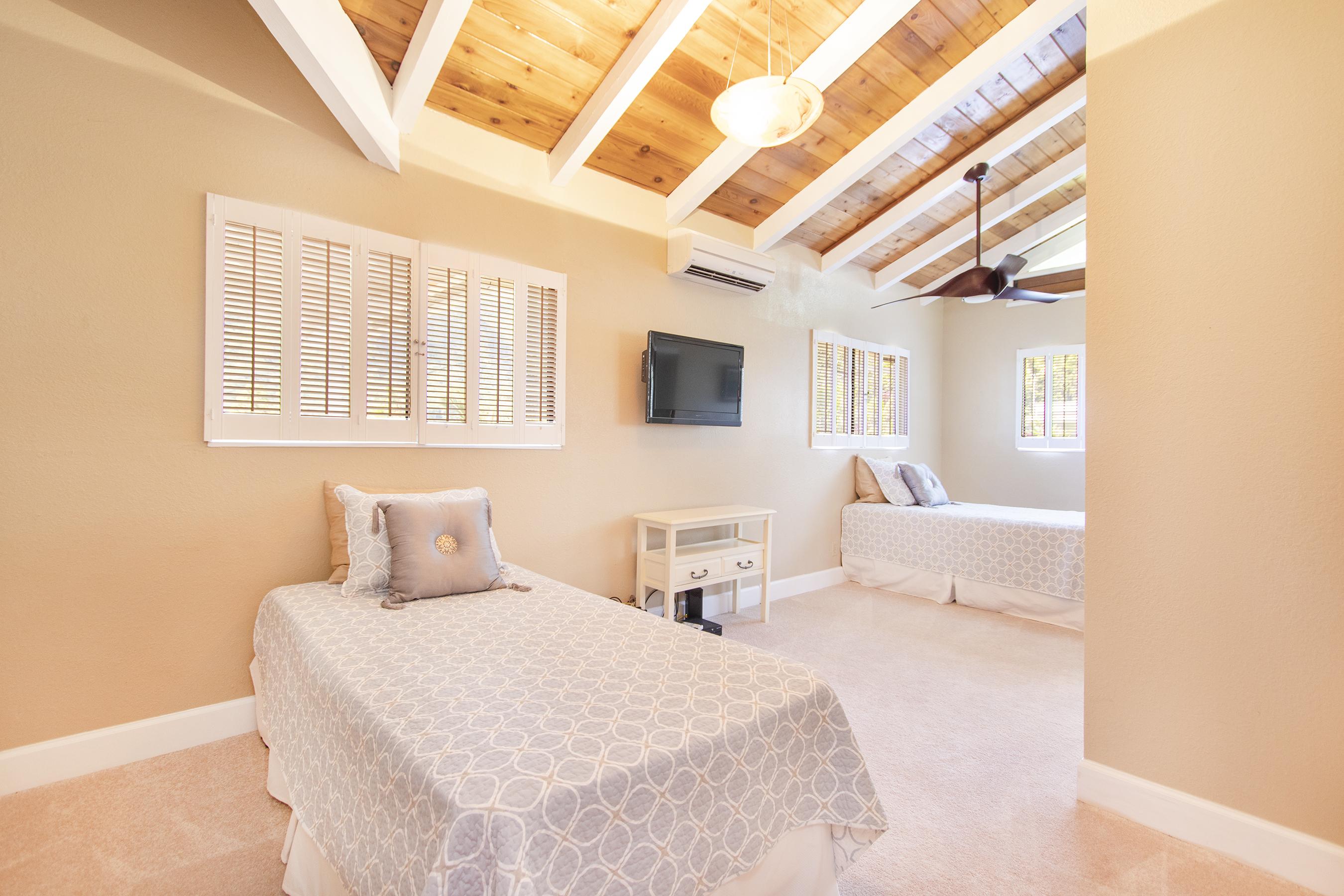 Bedroom at 3663 Woodlawn Drive