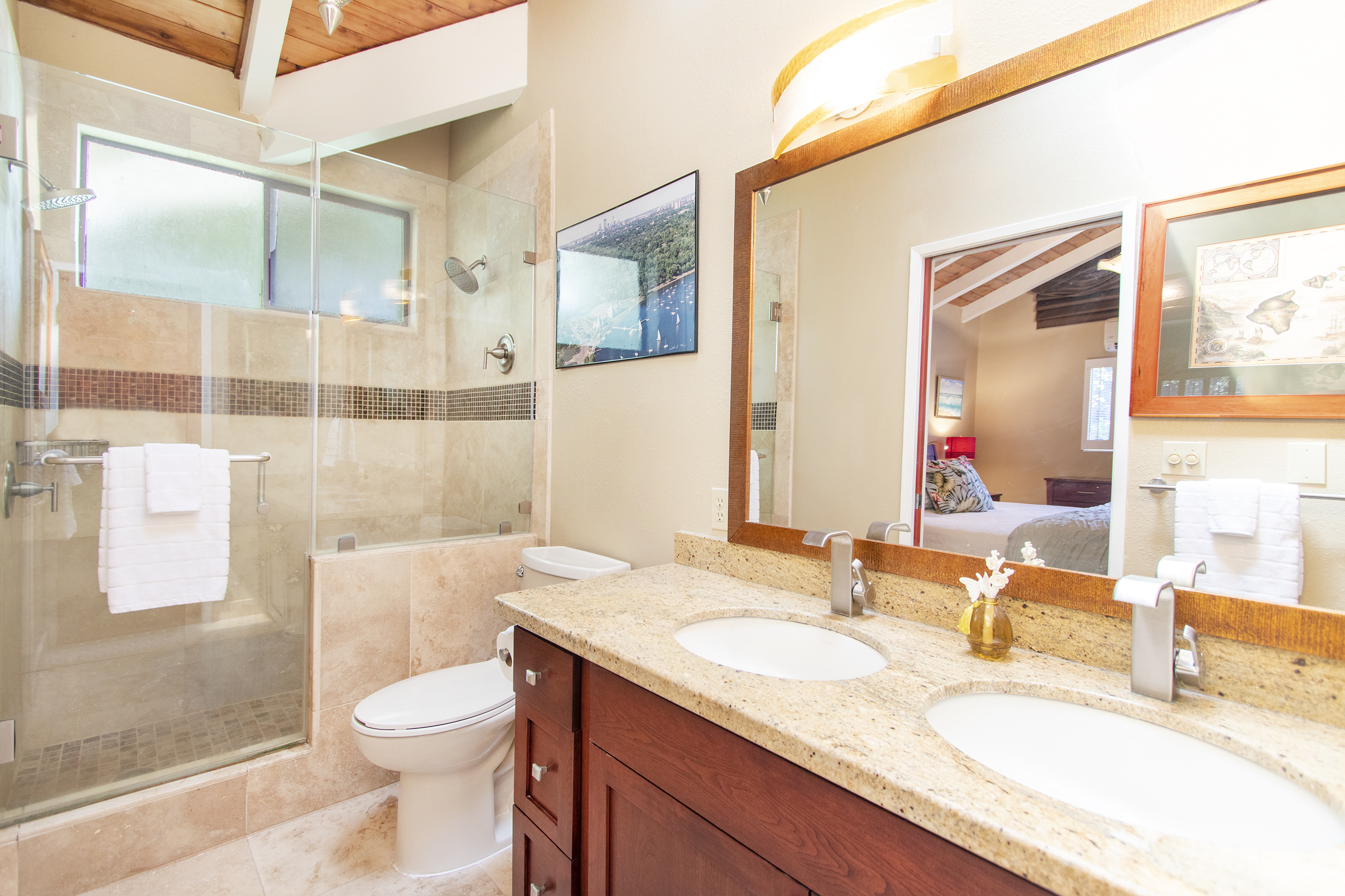 Master bathroom at 3663 Woodlawn Drive
