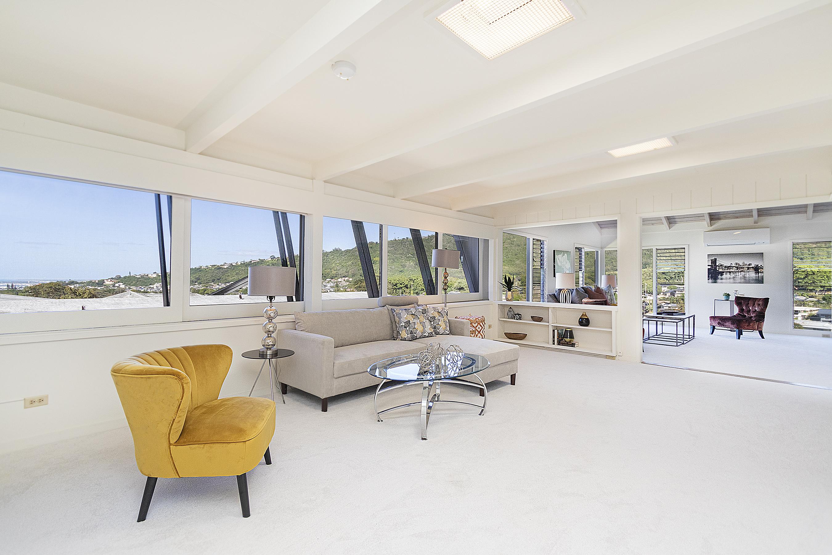 Family Room at 380 Puiwa Road, Honolulu, HI 96817
