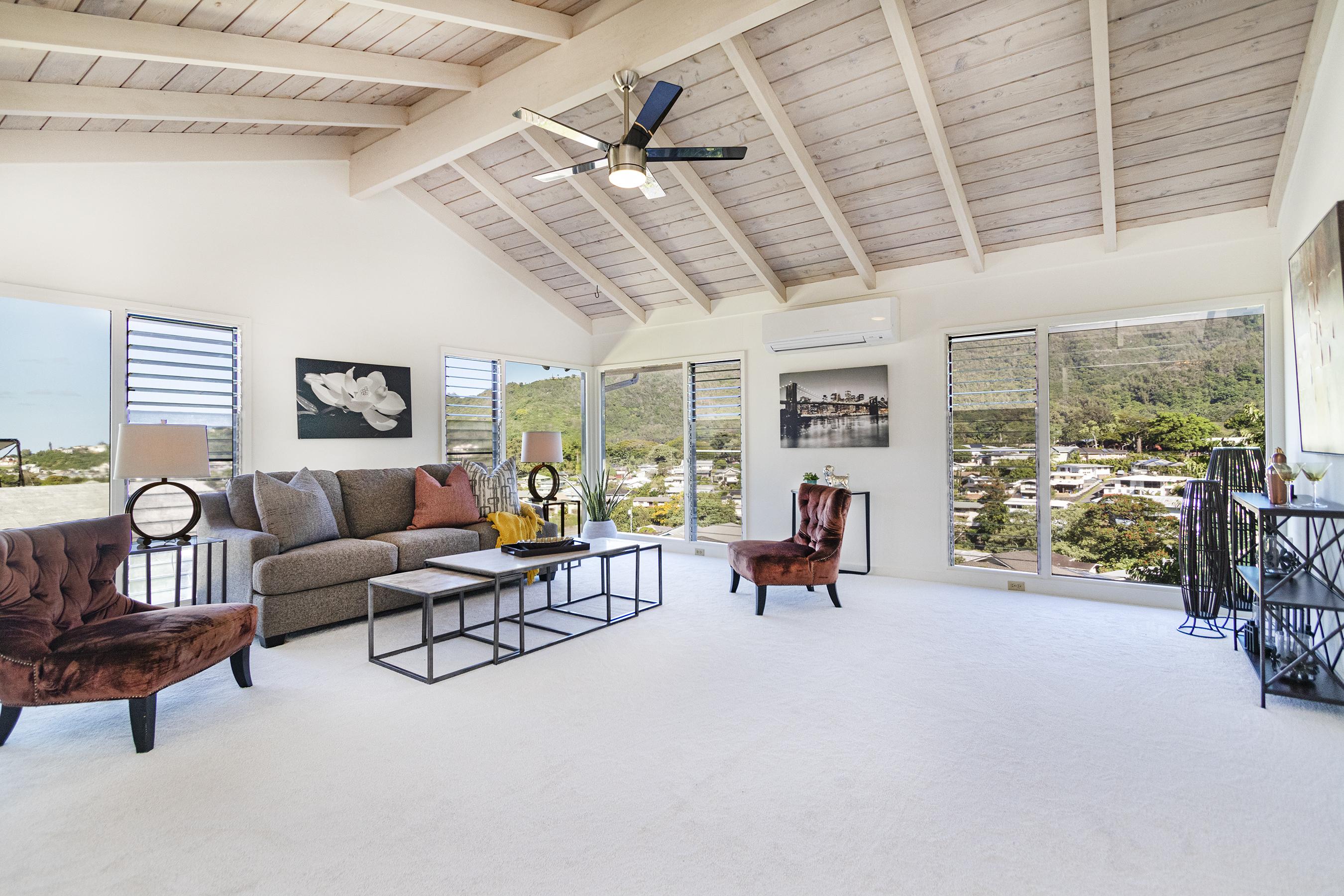 Living Room at 380 Puiwa Road, Honolulu, HI 96817