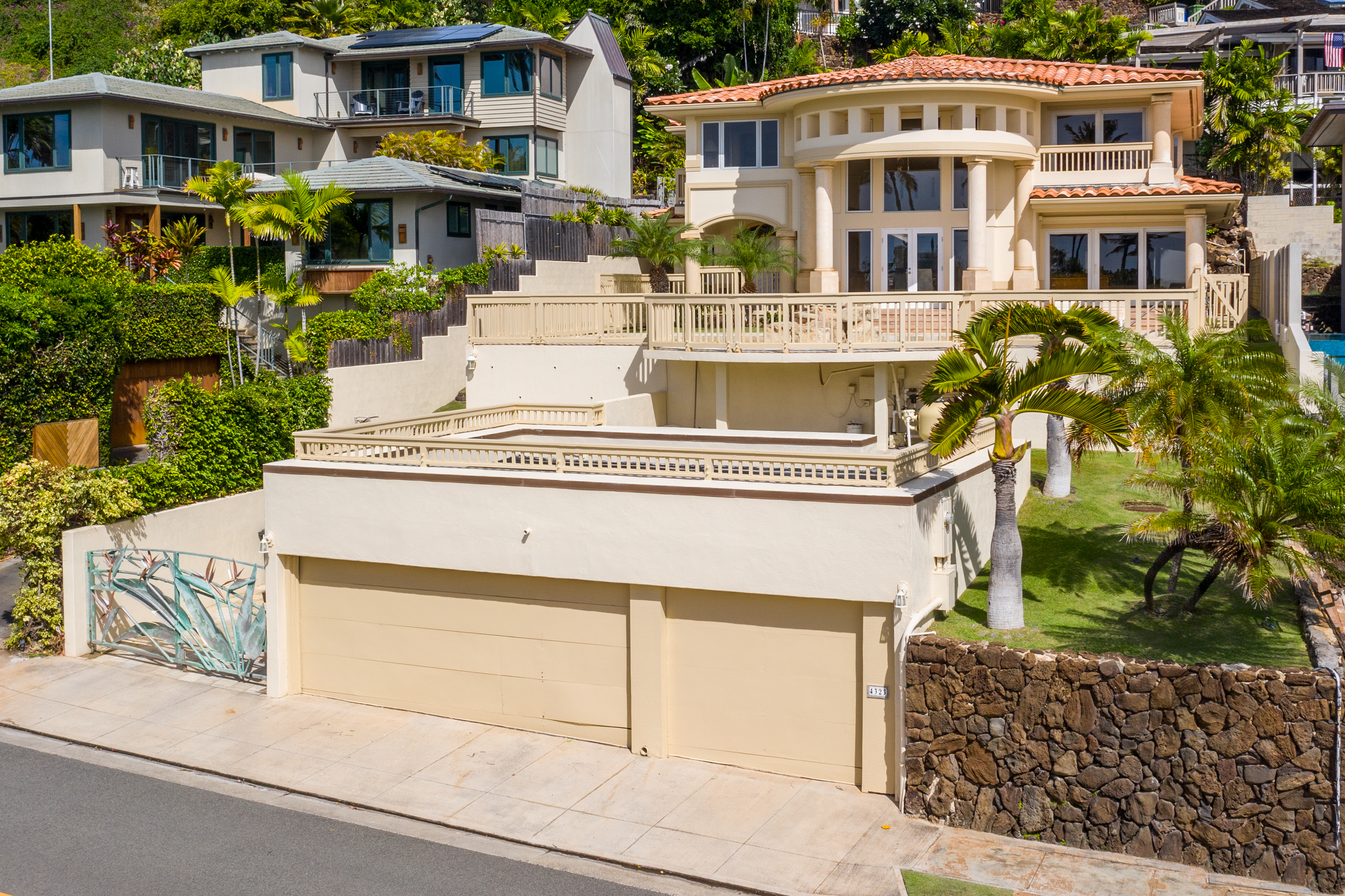 Front view of 4323 Kaikoo Place, Honolulu, HI 96816