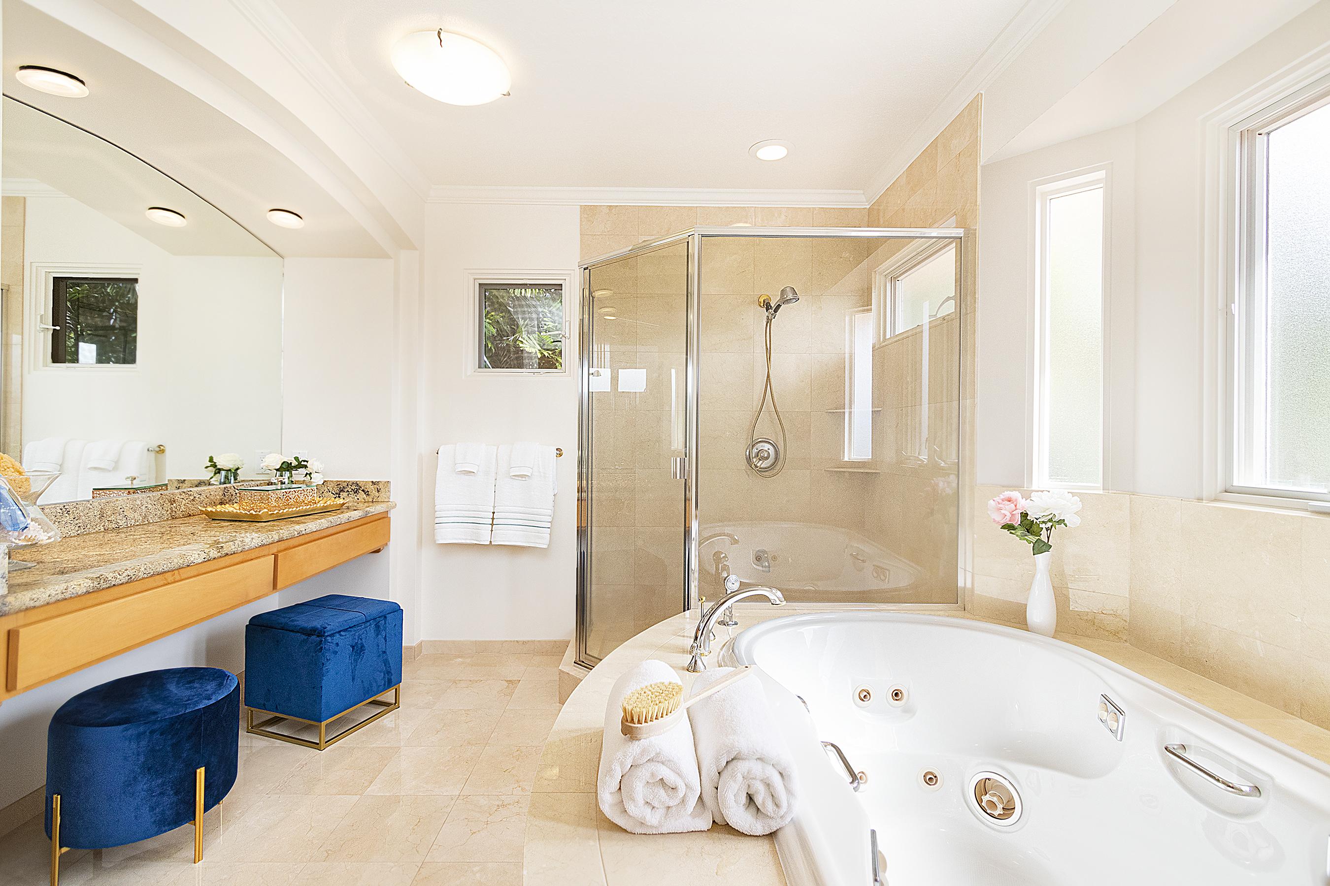Master bathroom shower and tub at 4323 Kaikoo Place, Honolulu, HI 96816