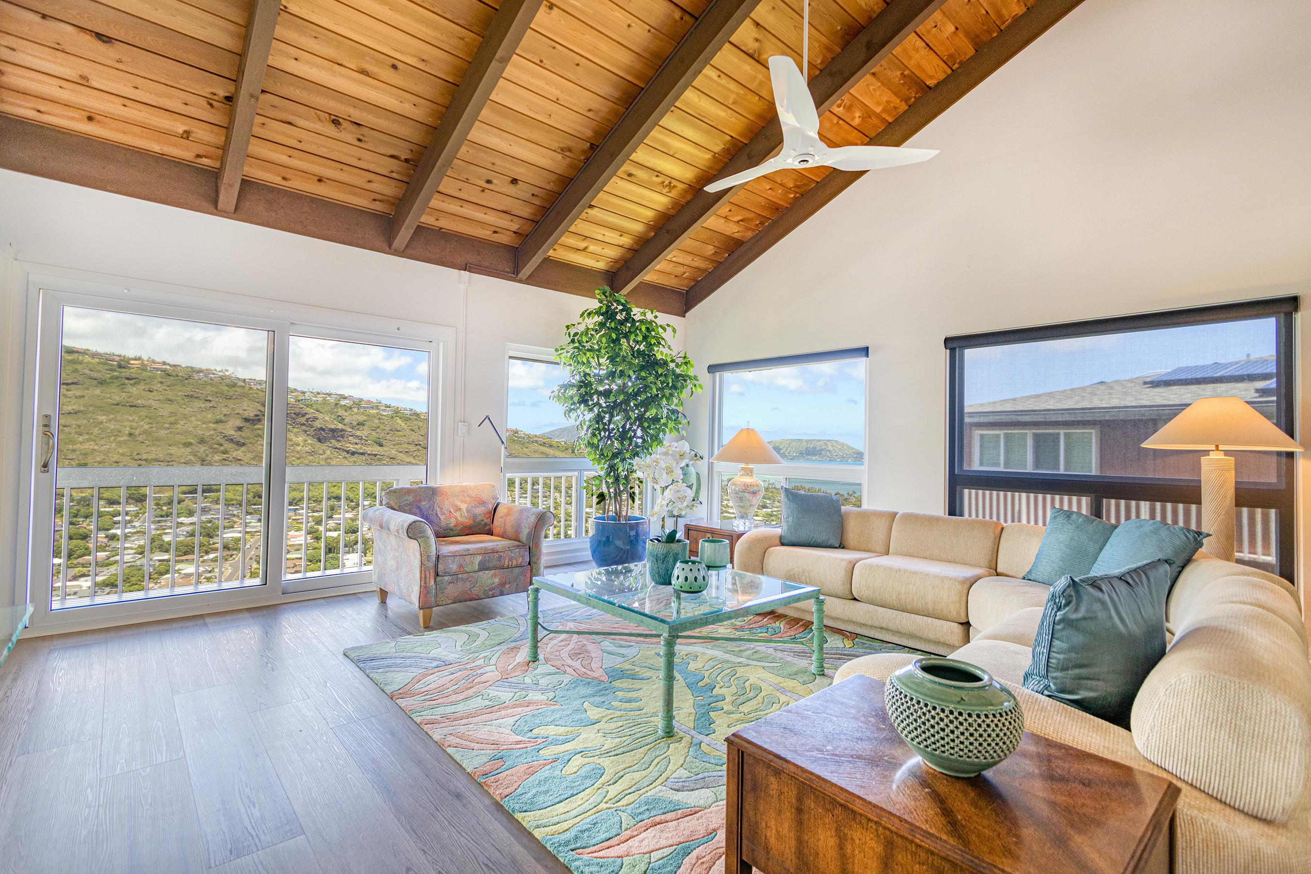 Living room at 5307 Poola St Honolulu 96821
