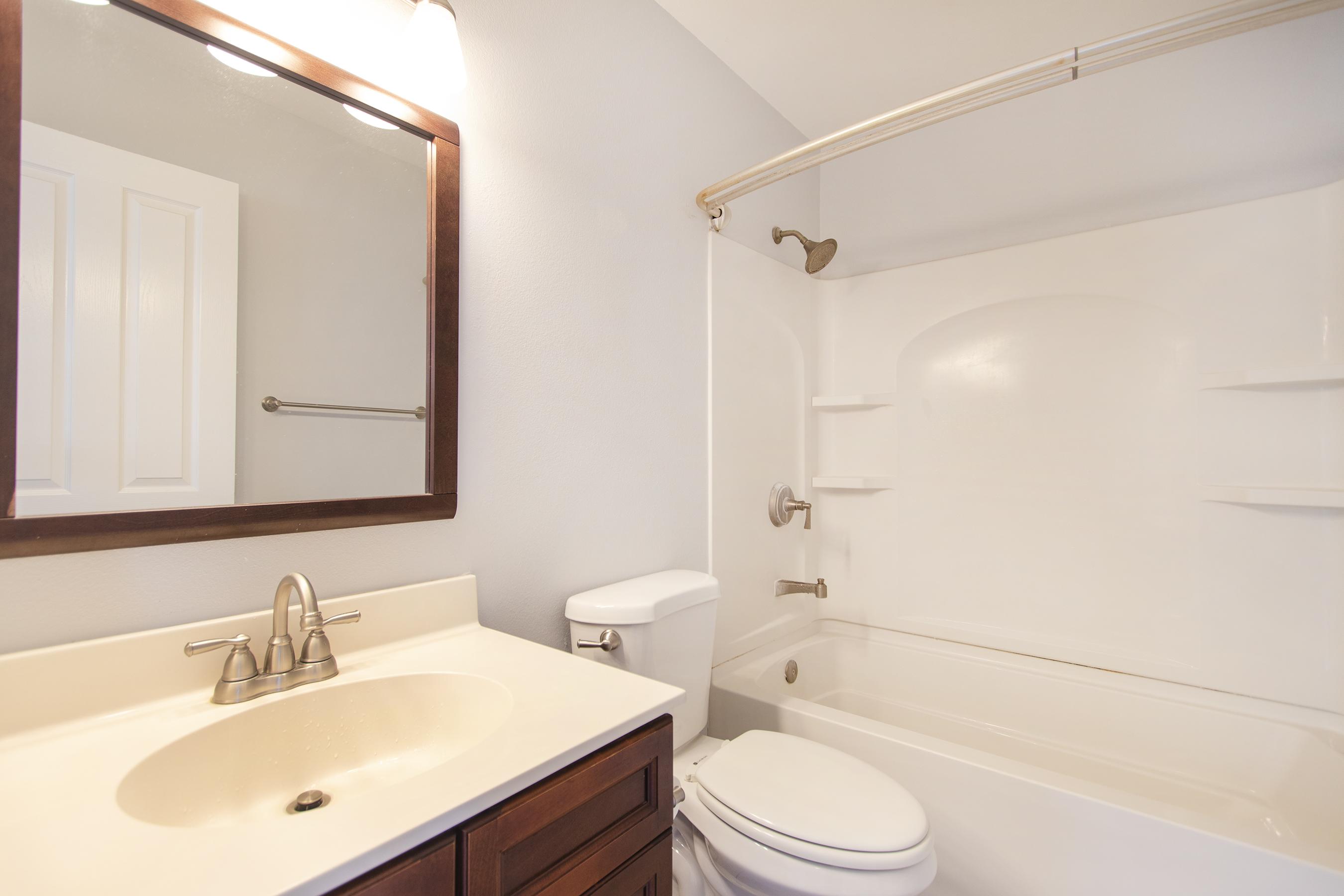 Bathroom 2 at 91-1200 Keaunui Drive #14