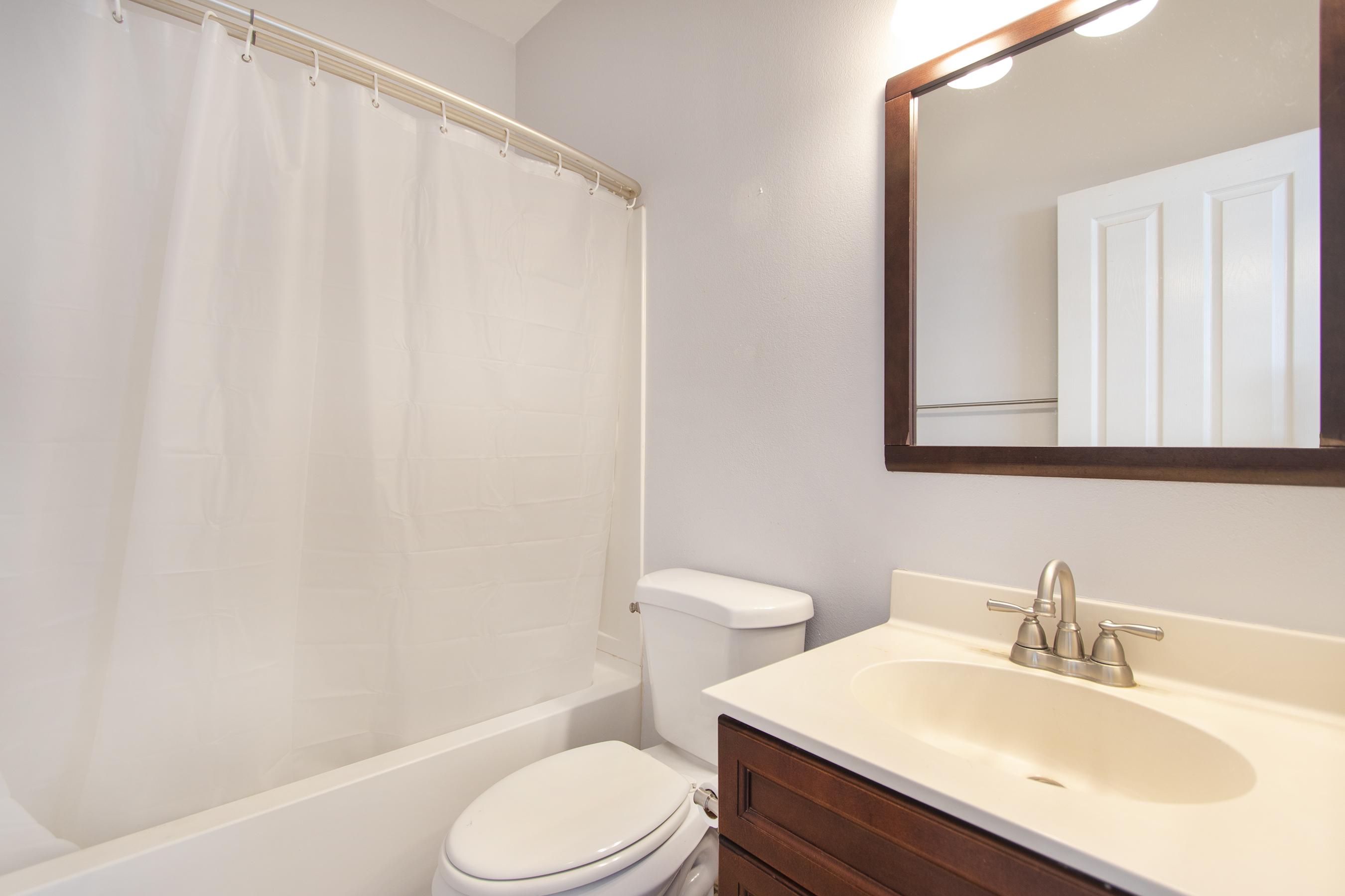 Bathroom 3 at 91-1200 Keaunui Drive #14