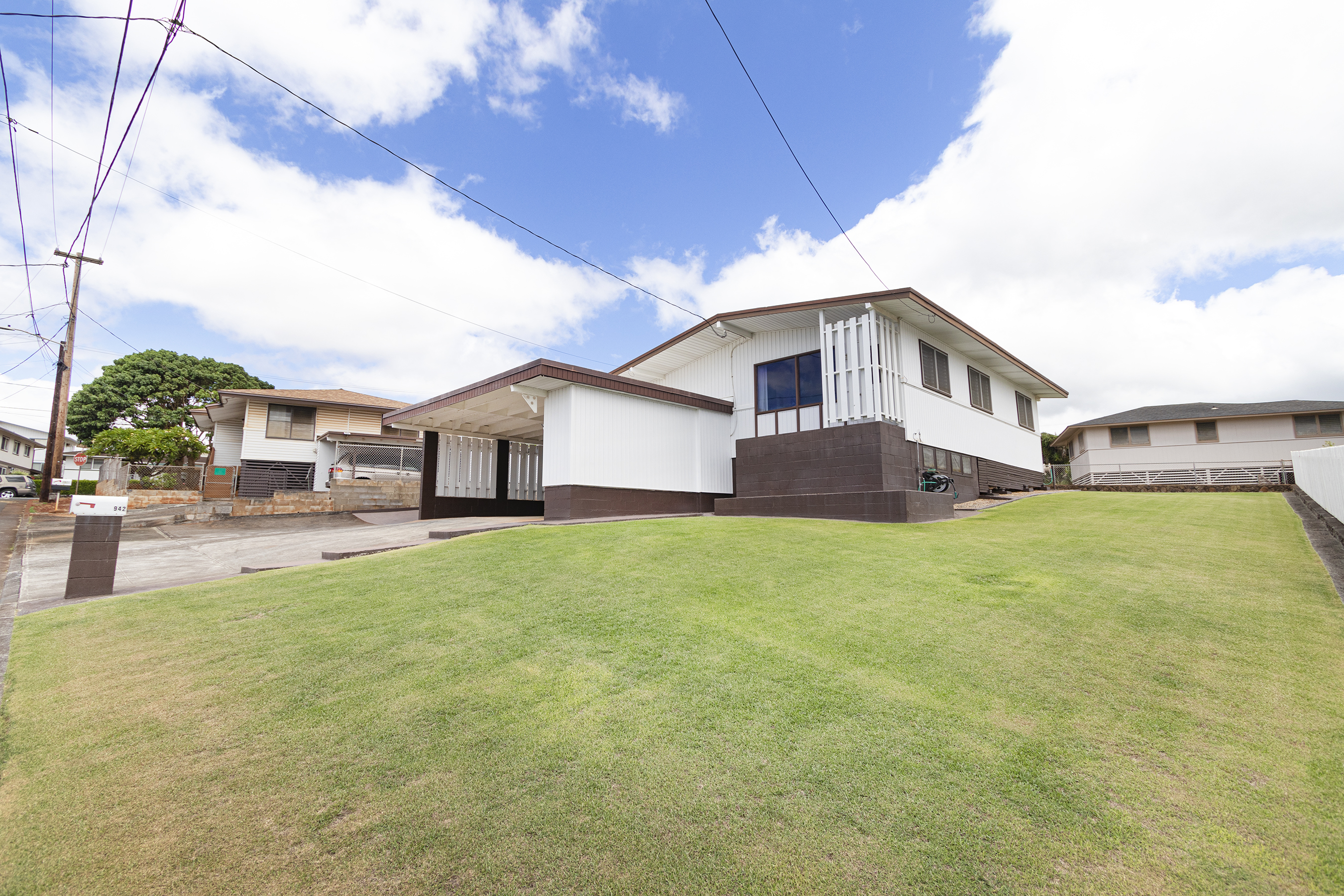 Front view of 942 Upalu Street Pearl City, HI 96782