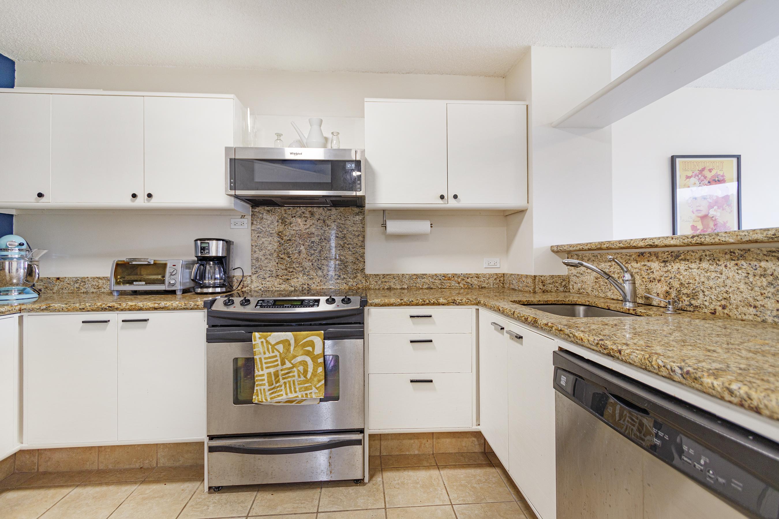 Kitchen at 2101 Nuuanu Ave #I/1806 Honolulu, HI 96817