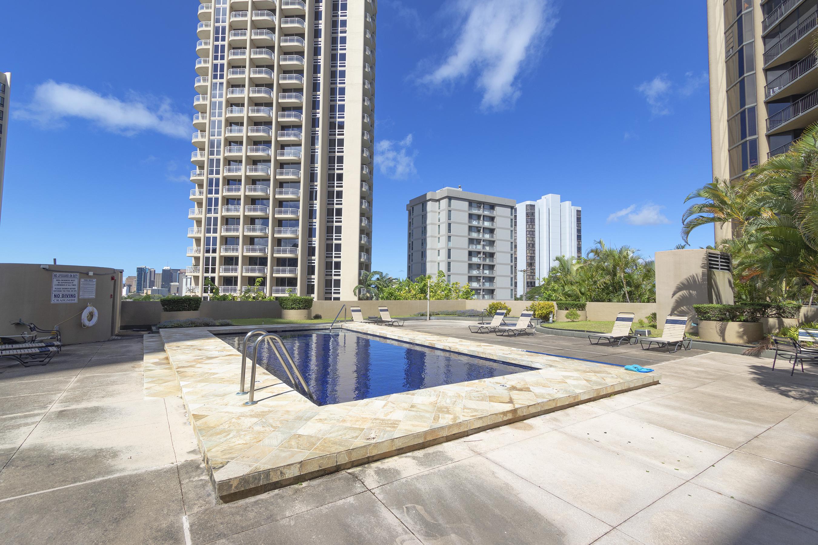 Pool at 2101 Nuuanu Ave #I/1806 Honolulu, HI 96817