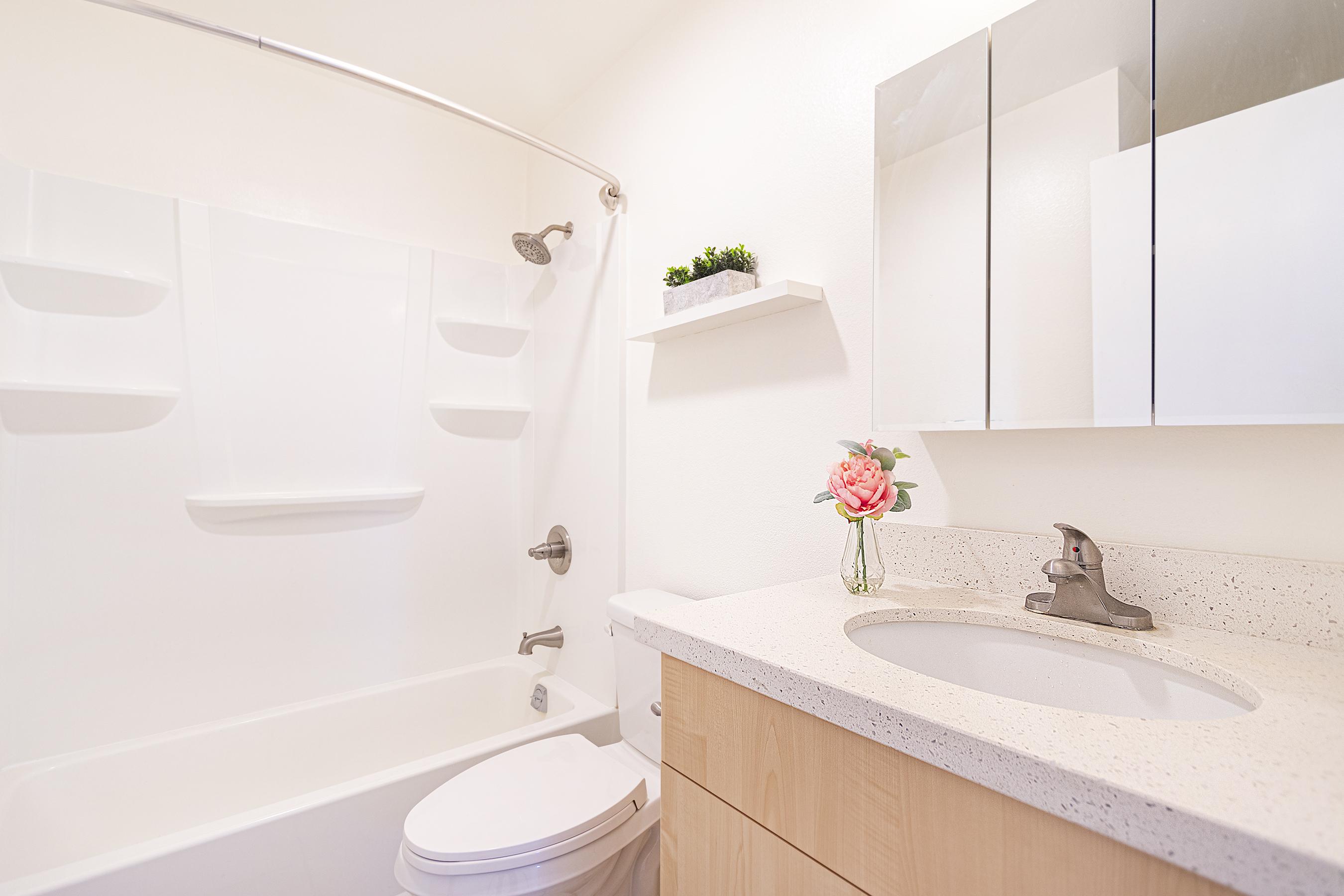 Second bathroom at 94-870 Lumiauau St #Y201