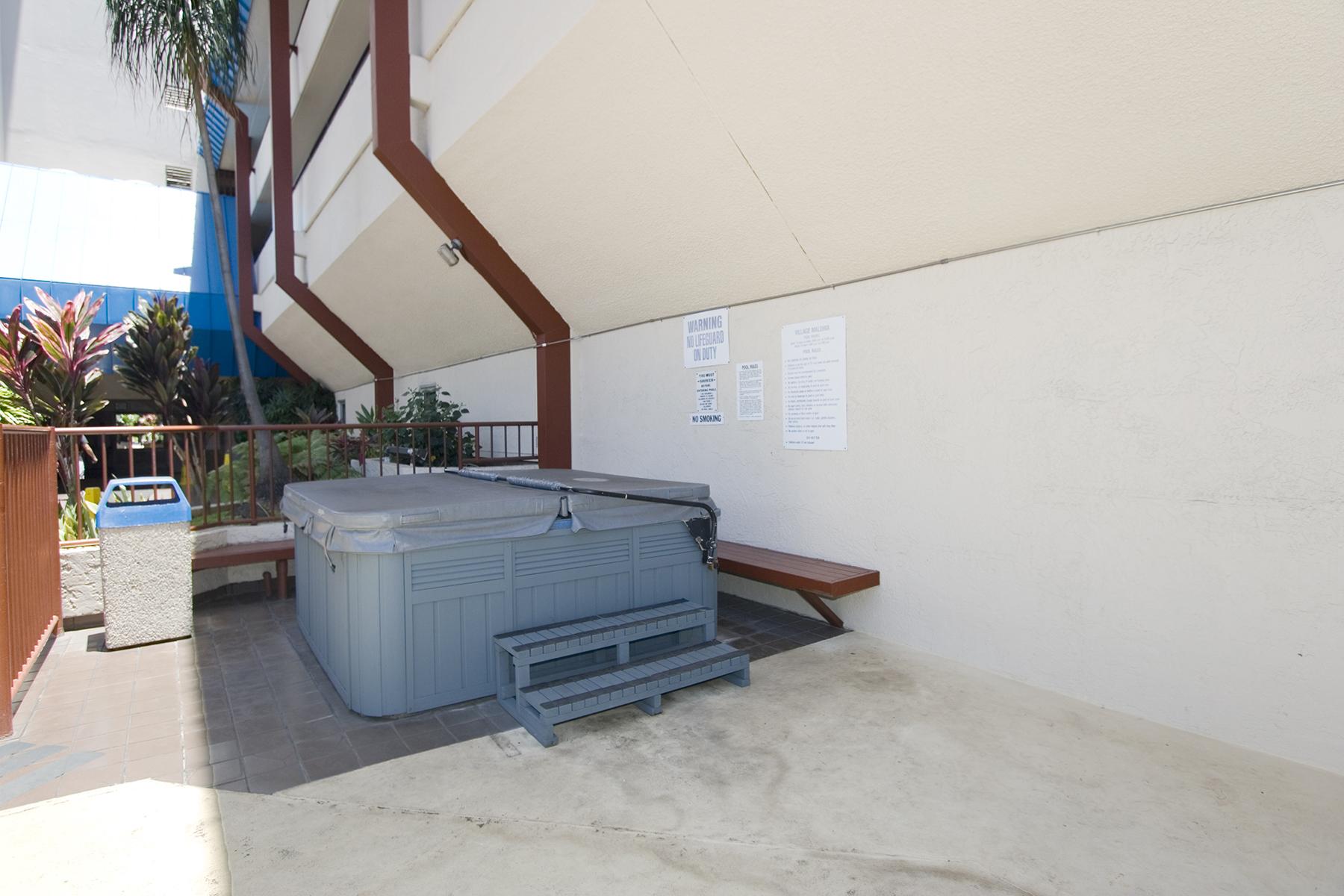 Jacuzzi / Hot Tub at 1535 Pensacola St #711, Honolulu, HI 96822