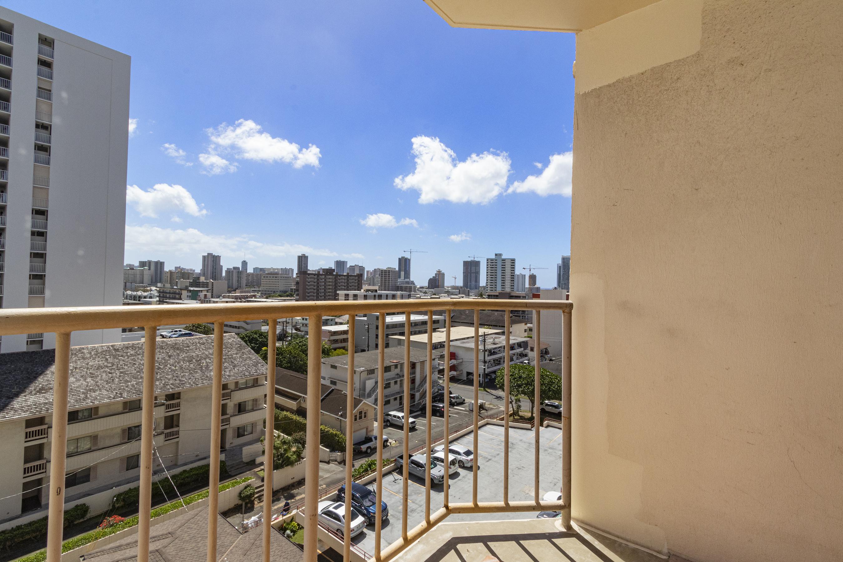 Lanai at 1535 Pensacola St #711, Honolulu, HI 96822
