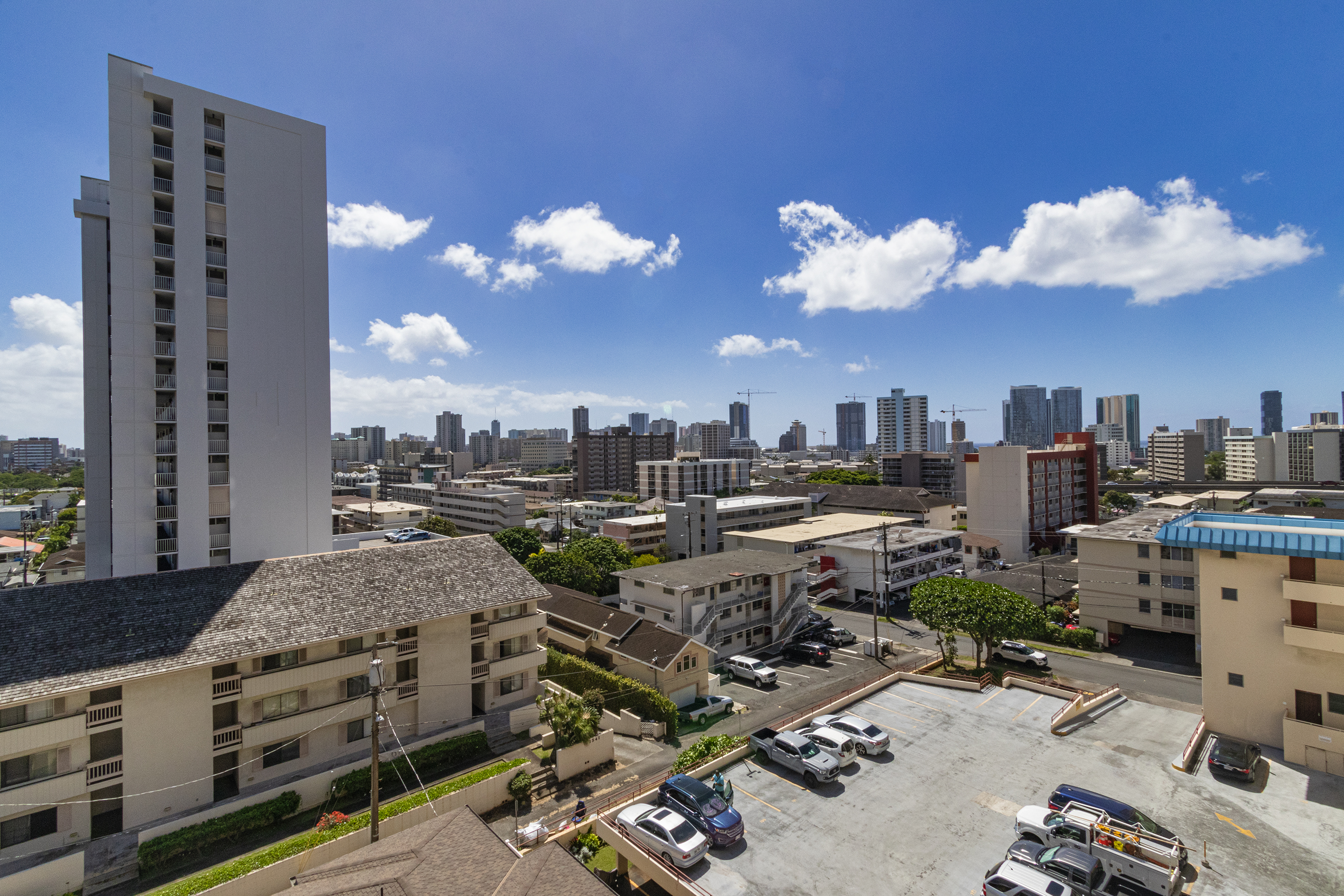 View at 1535 Pensacola St #711, Honolulu, HI 96822