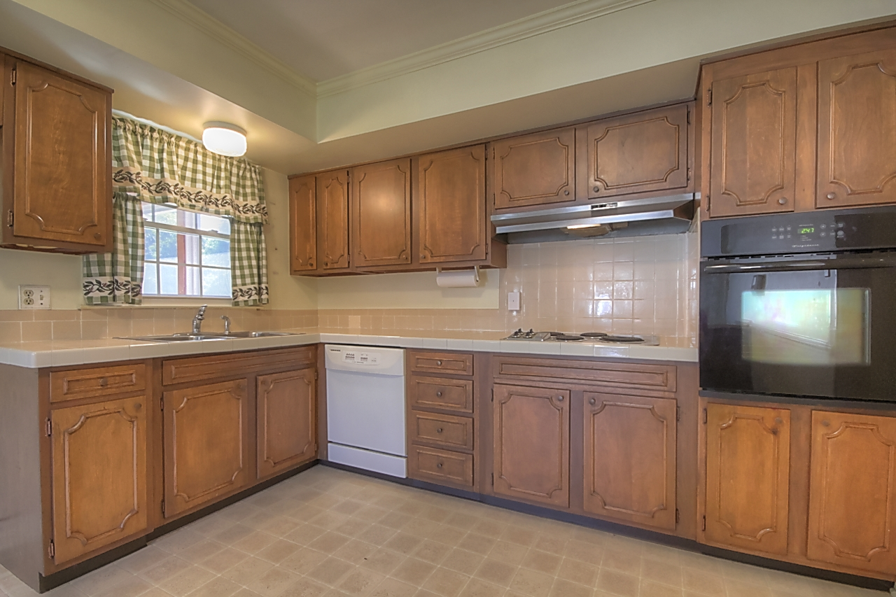 1936 Parkers Mill Rd - Kitchen