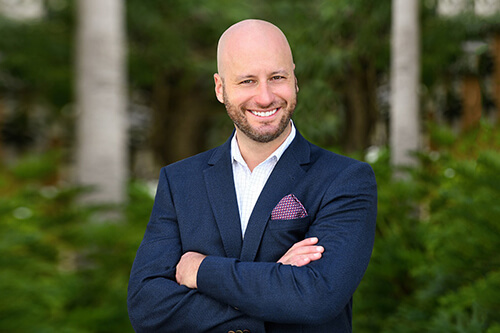 For 7 years, Bryan Gold has put his heart and soul into real estate, homes, condos, townhomes and properties.
