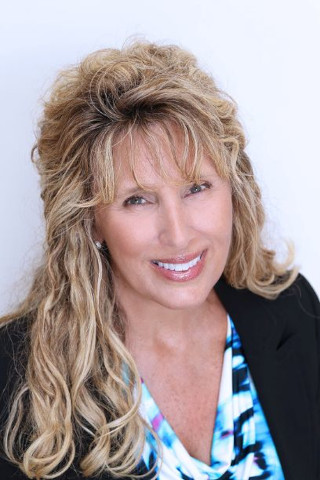 Cathy Long, real estate agent at CENTURY 21 Coast to Coast