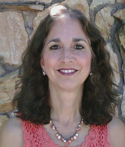 image of Janelle Makowski, real estate agent at CENTURY 21 Coast to Coast
