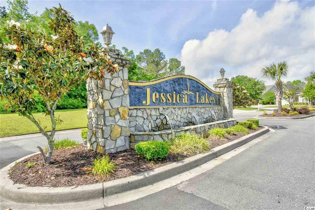 Jessica Lakes Entrance