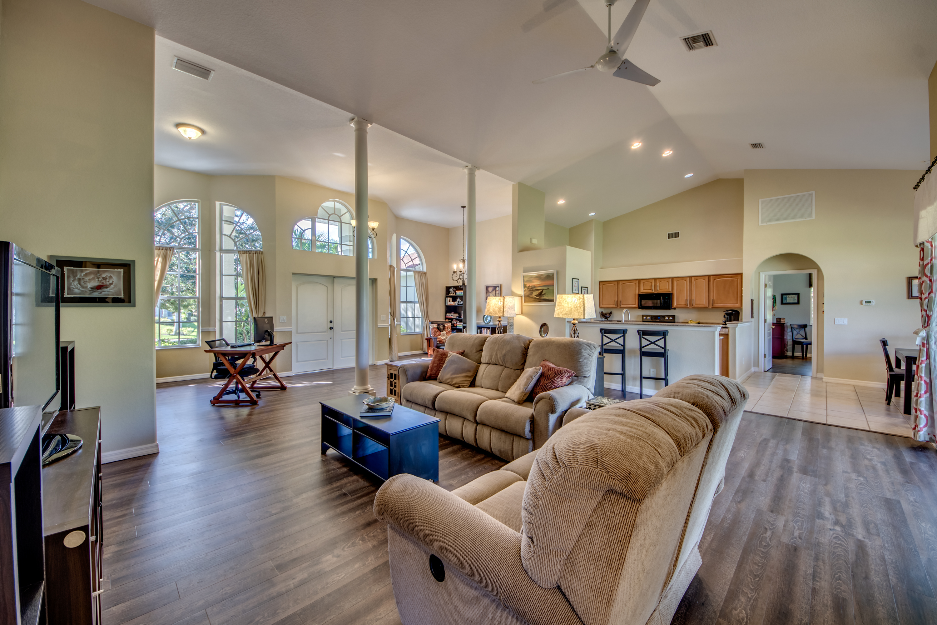 2547 SW 30th St Family Room