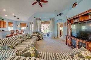 14940 Reflection Key Cir #2621 living room