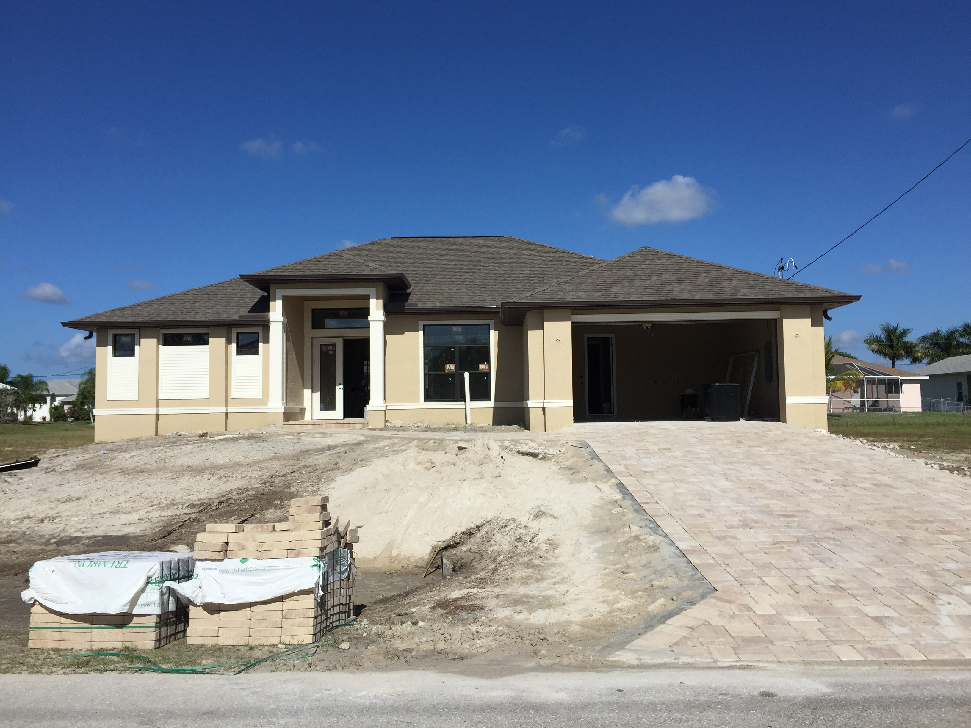 New homes for sale in cape coral fl for Houses for sale with pictures