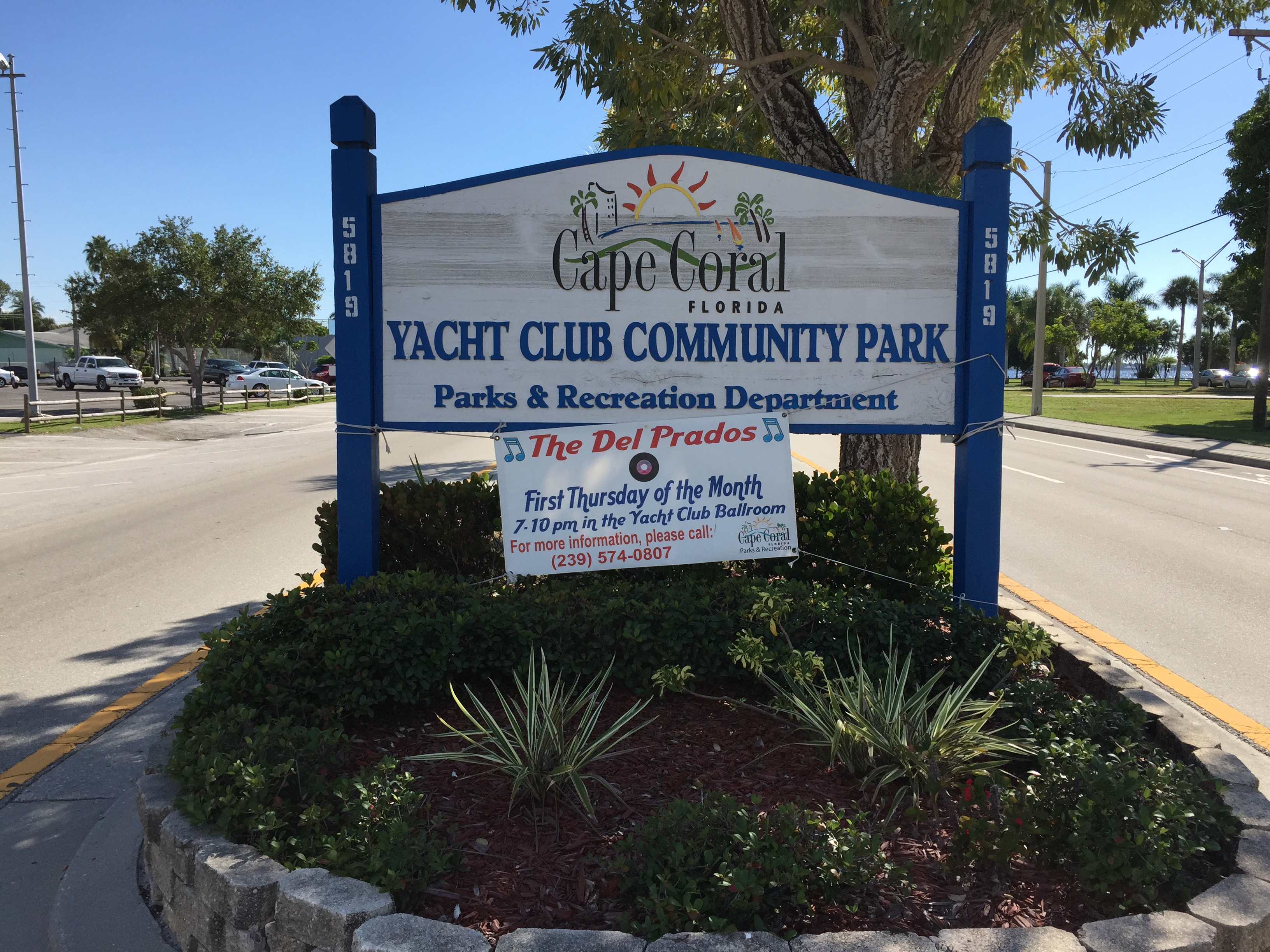 Yacht Club sign