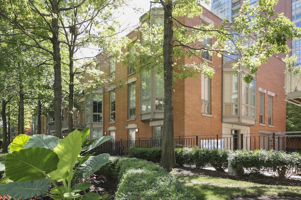streeterville Townhomes