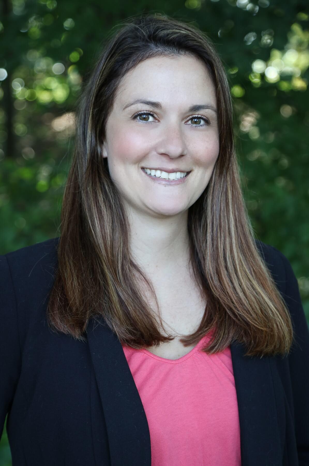 Sarah Cotnoir Headshot