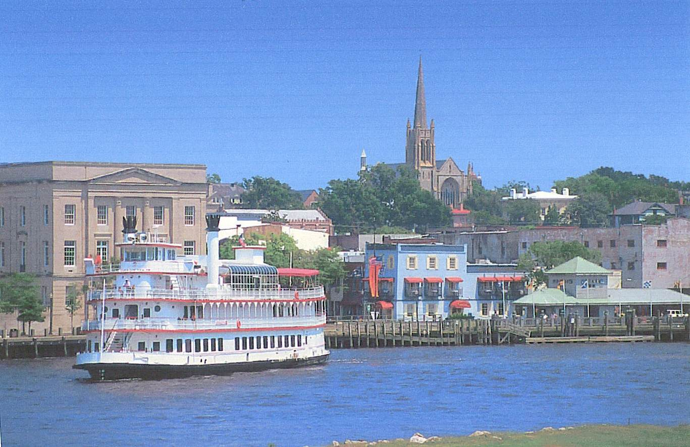 Nc_wilmington_historic_waterfront