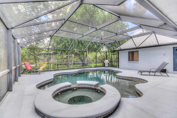 Just Listed Fabulous Pool Home In Hickory Hill Titusville