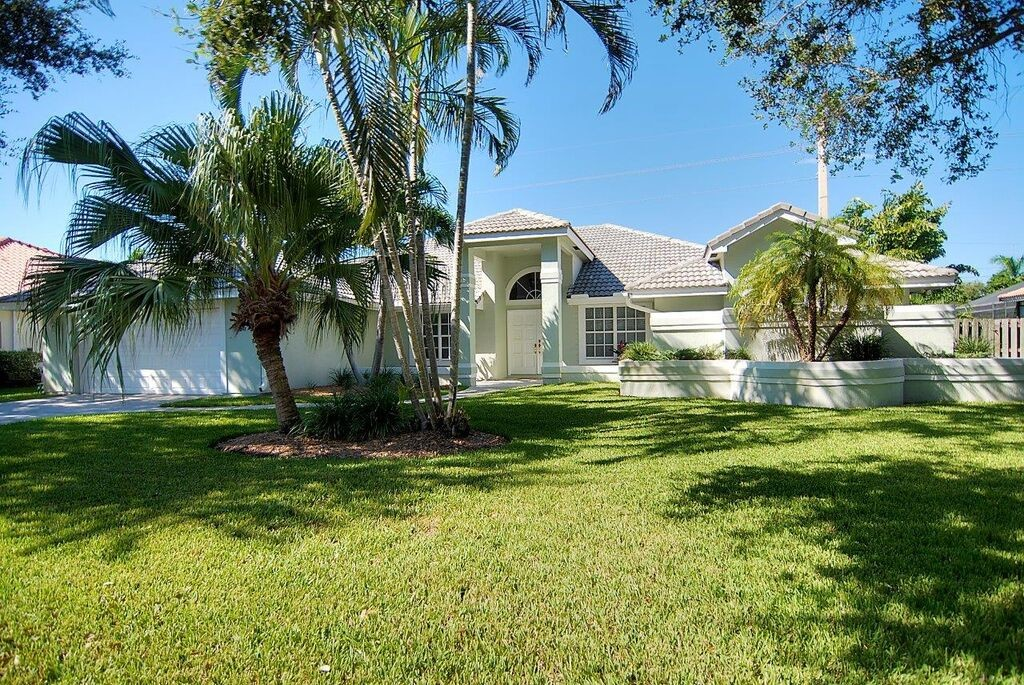Indialantic, FL Real Estate: Listed and Sold in The Cloisters, Indialantic