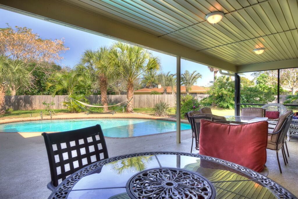 Suntree fl real estate just sold in 6 days for 99 of for Pool lanai cost