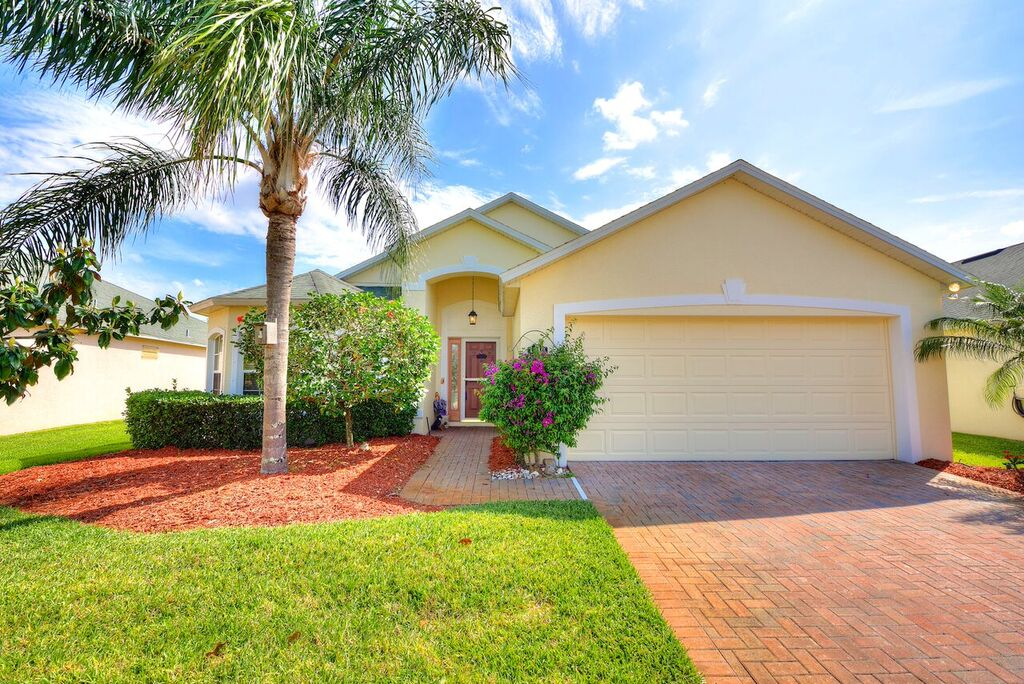 Melbourne, FL Real Estate: Just Listed in 55+ Community of Pine Creek, Melbourne