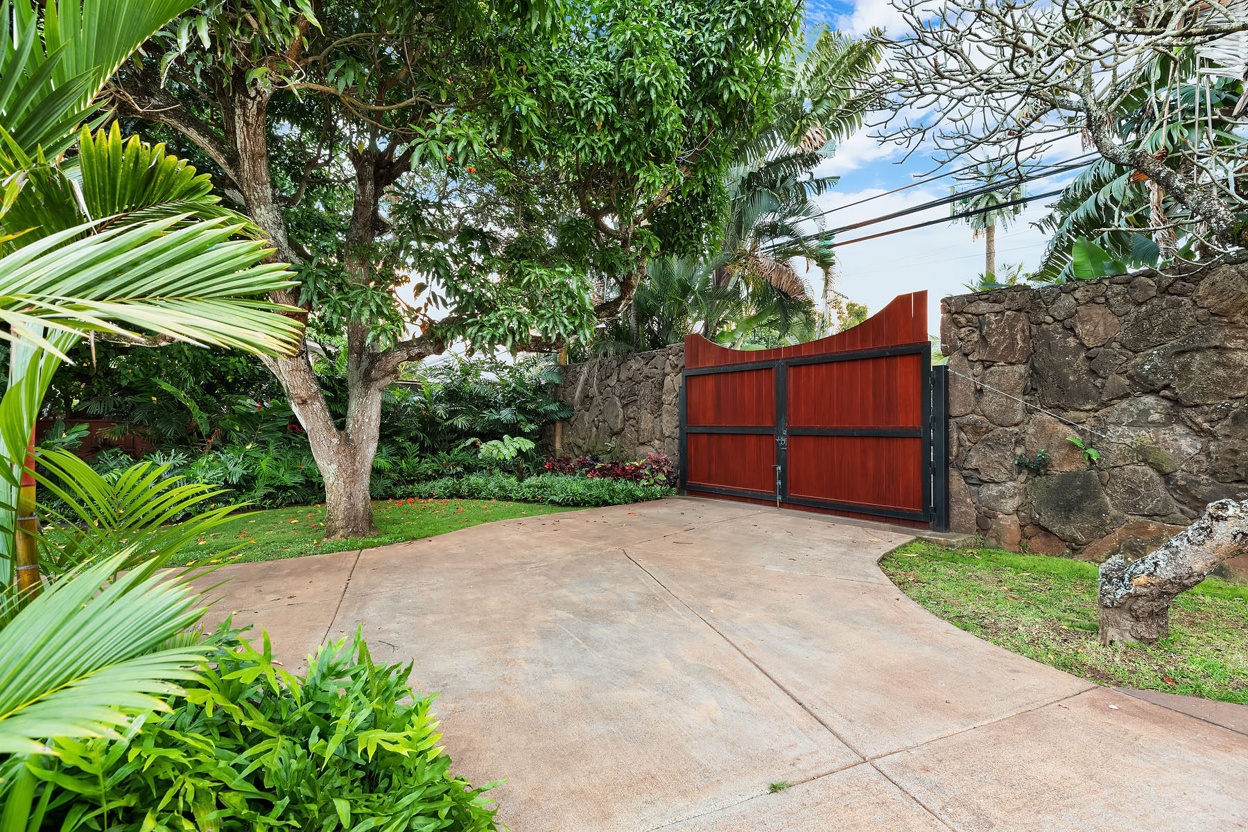 gated north shore estate