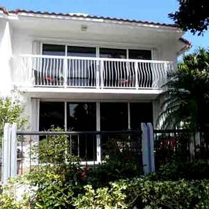 Golden Pointe Townhomes Aventura Florida
