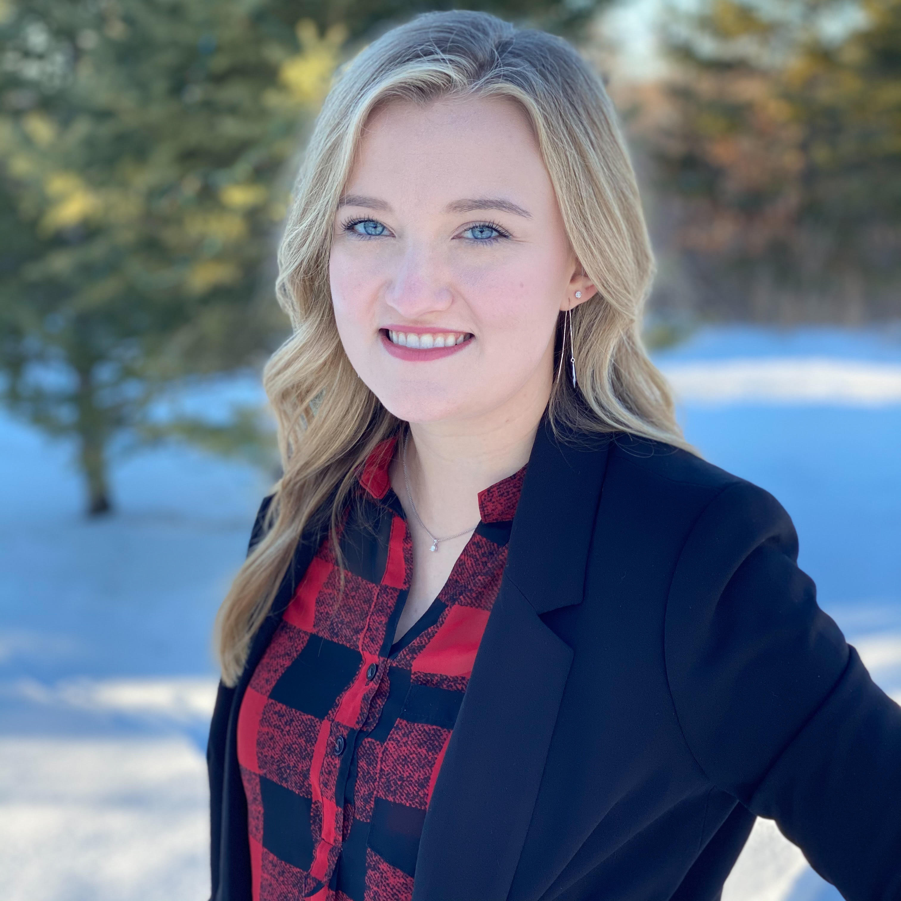 Bailey Burnham - Agent - Realtor - Real Estate Bemidji Minnesota