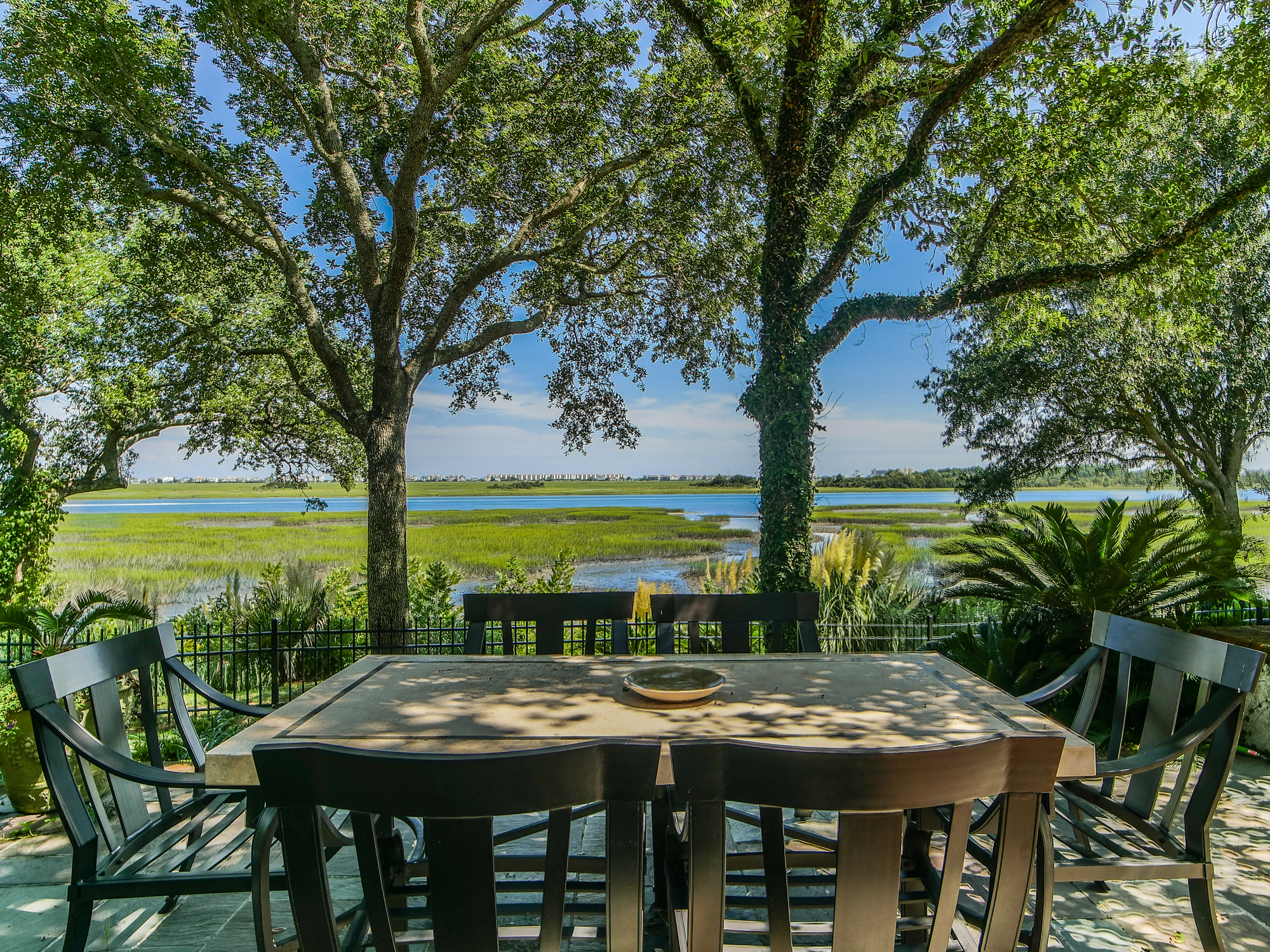 Wilmington nc waterfront homes for sale dbg real estate for Luxury beachfront property for sale