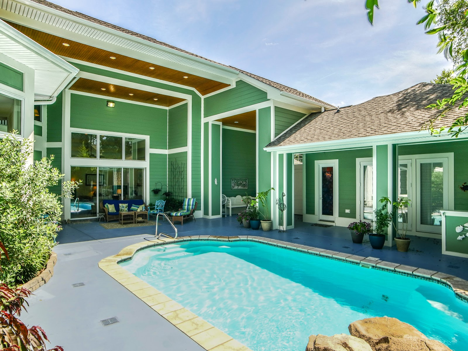 oak-island-homes-for-sale