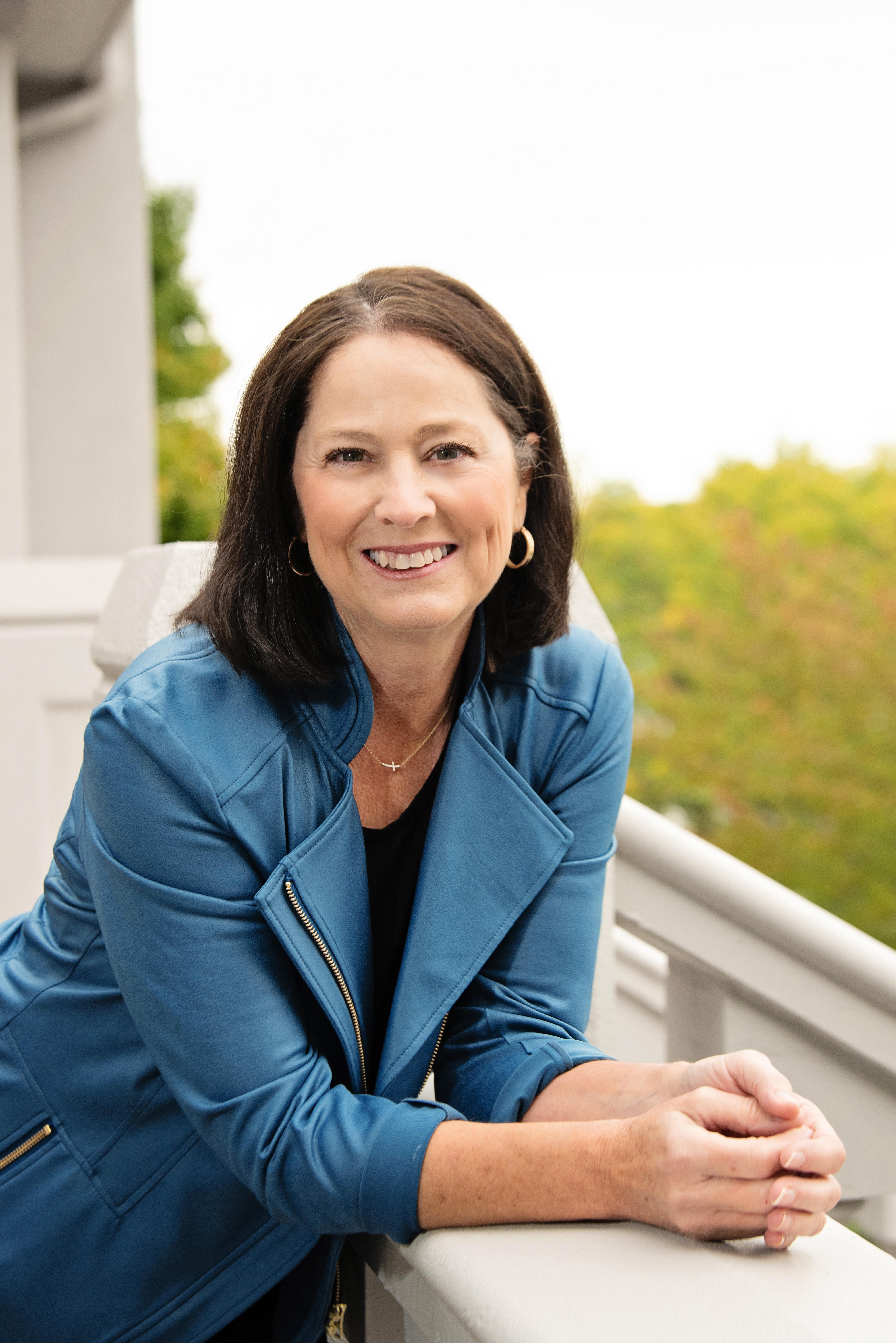 Lisa Goshert | Deb Paton-Showley Team