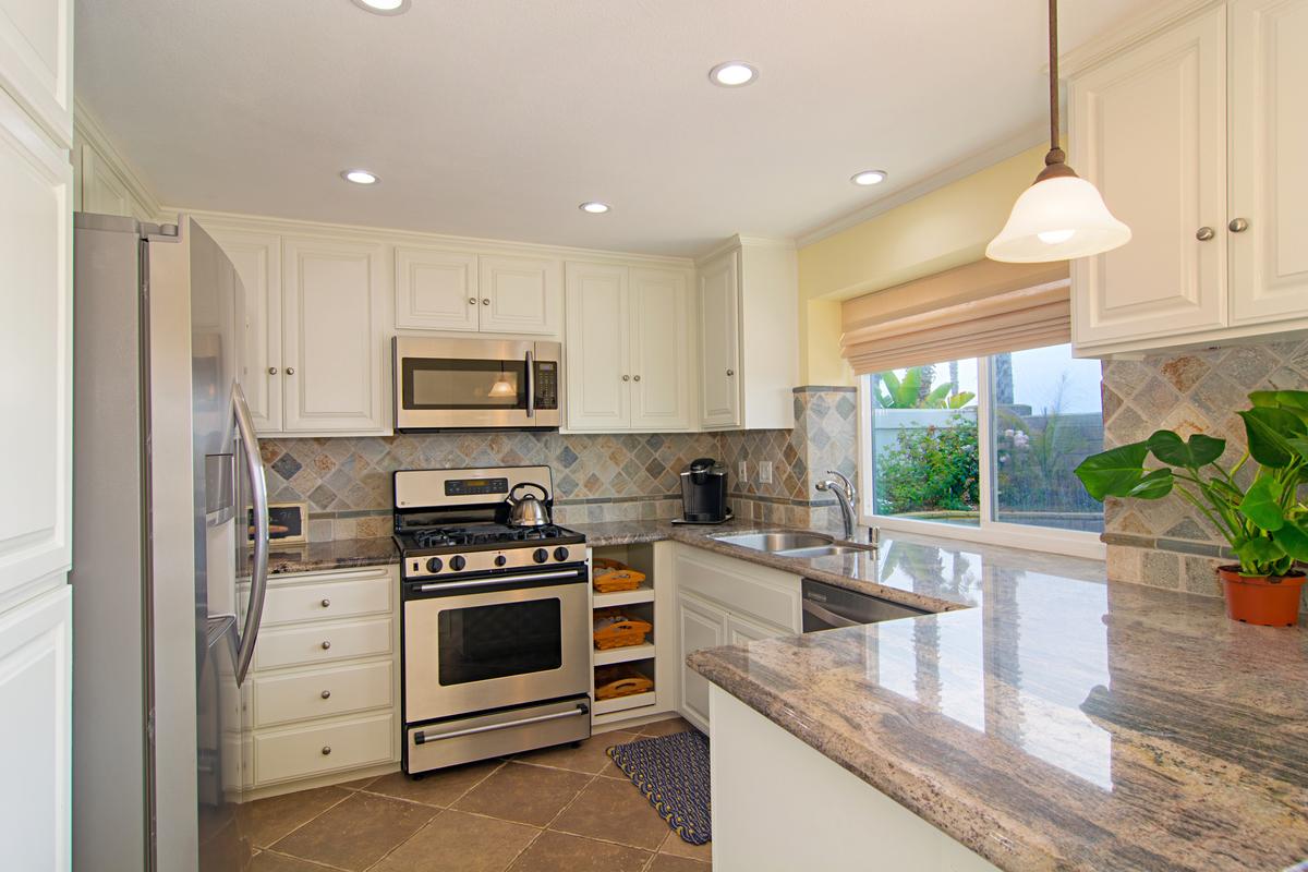 Kitchen   4 Bridgetown Bend, Coronado CA 92118